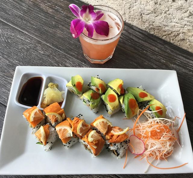 "vegan sushi on the menu wed-Sunday 6-9pm, along with our drink special ""flower sour"" double the goodness #vegetarian #slcdining #sushi #supportlocal #eatfresh #glutenfreemenu #gf #downtowndining"