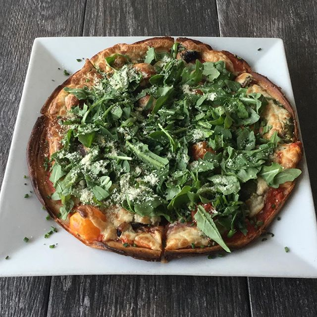 margarita pizza tonight with local heirloom tomatoes, house almond pesto, classic marinara, cashew cheese, and marinated mushrooms.