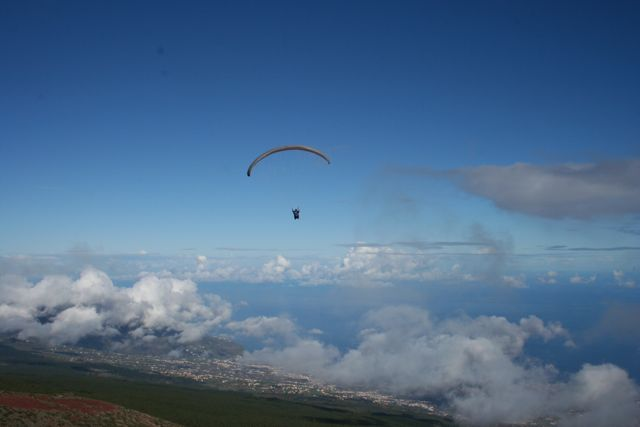 Paragliding over Tenerife (Image Source:   Flickr  )