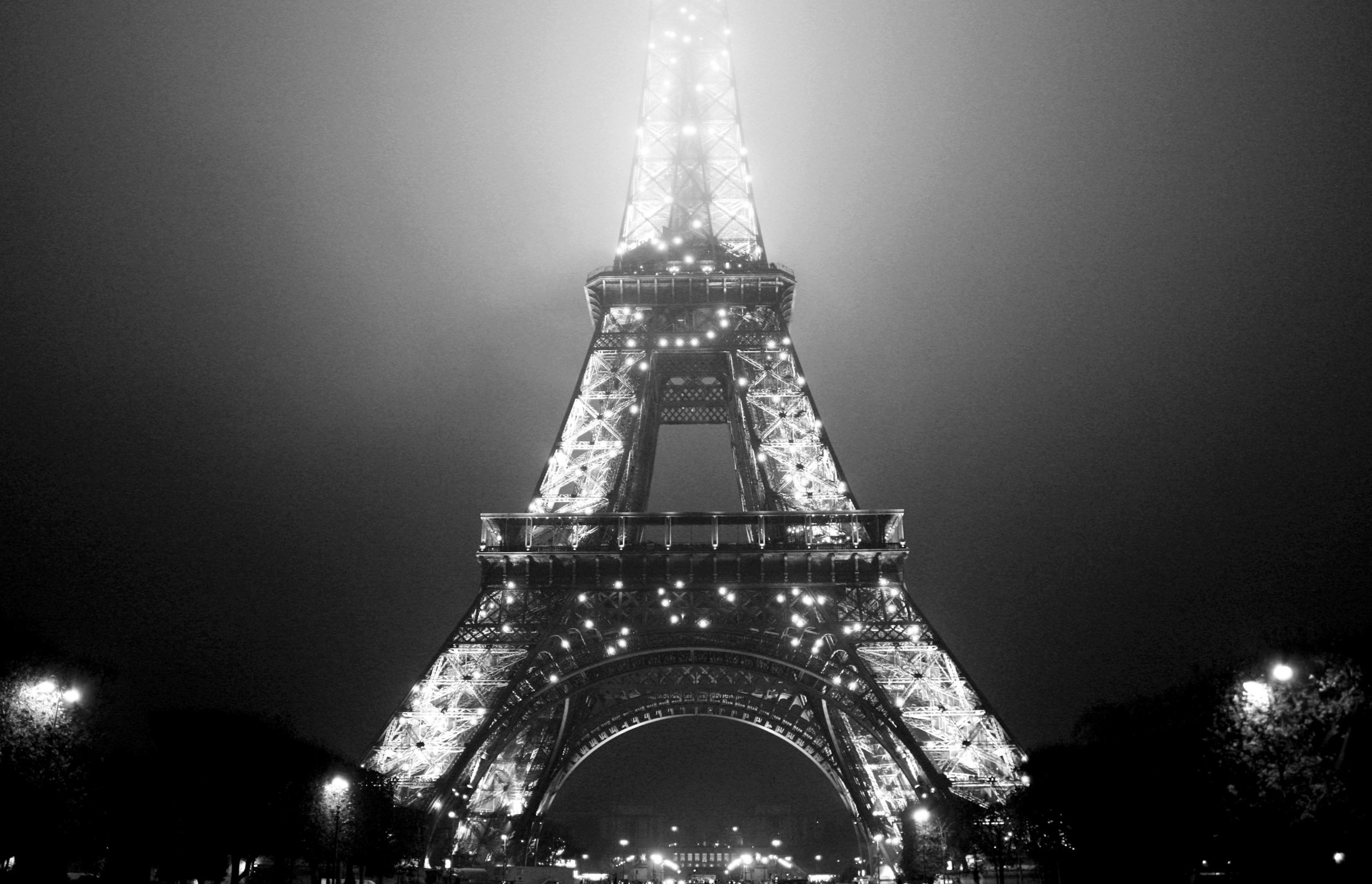 Eiffel Tower sparkling at night