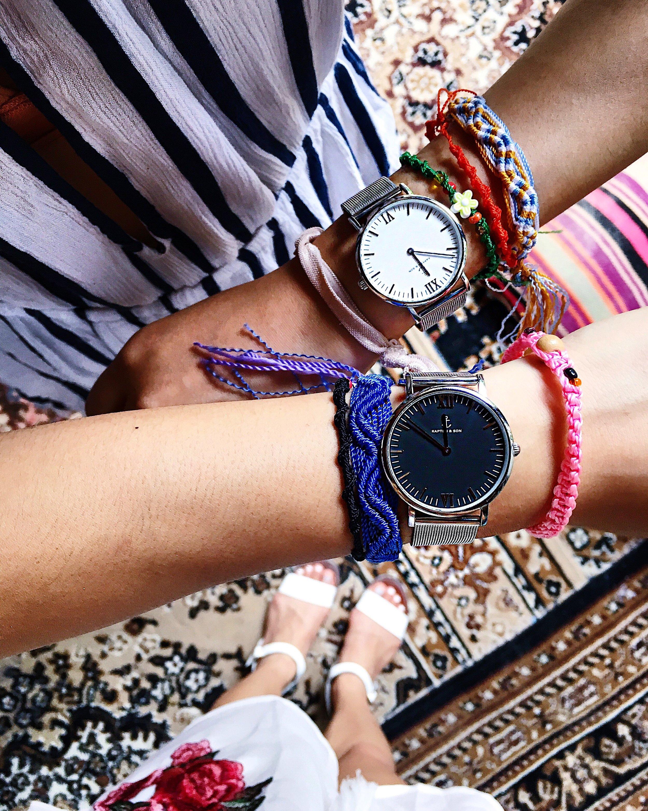 White silver mesh watch (  Kapten & Son  ), black silver mesh watch ( Kapten & Son )