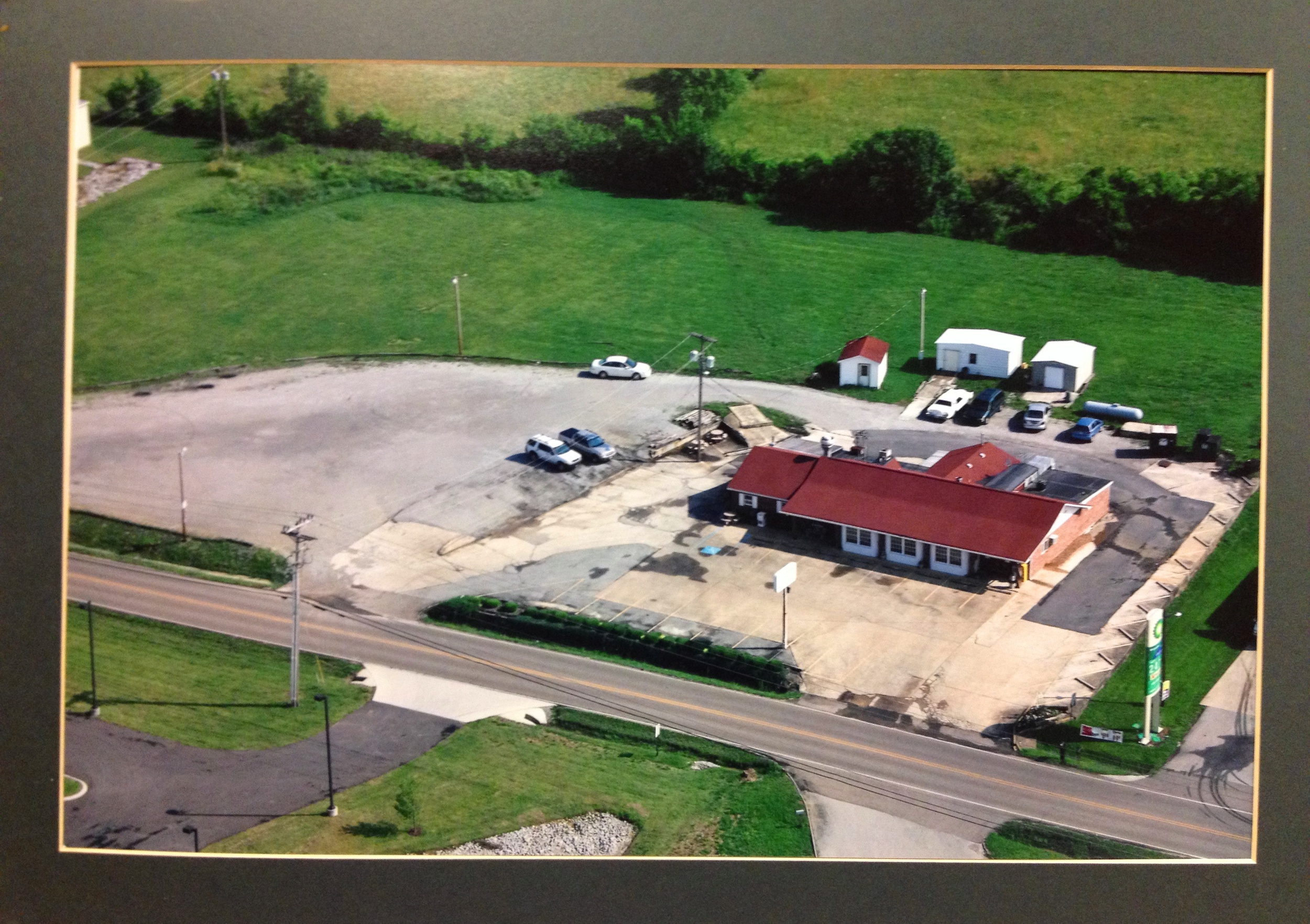 Aerial photo of Countryside Cafe (June 11, 2009) - before business hours
