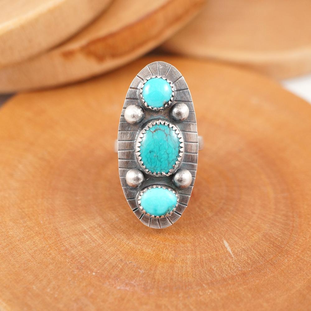 triple_stone_ring_wholesale.jpg