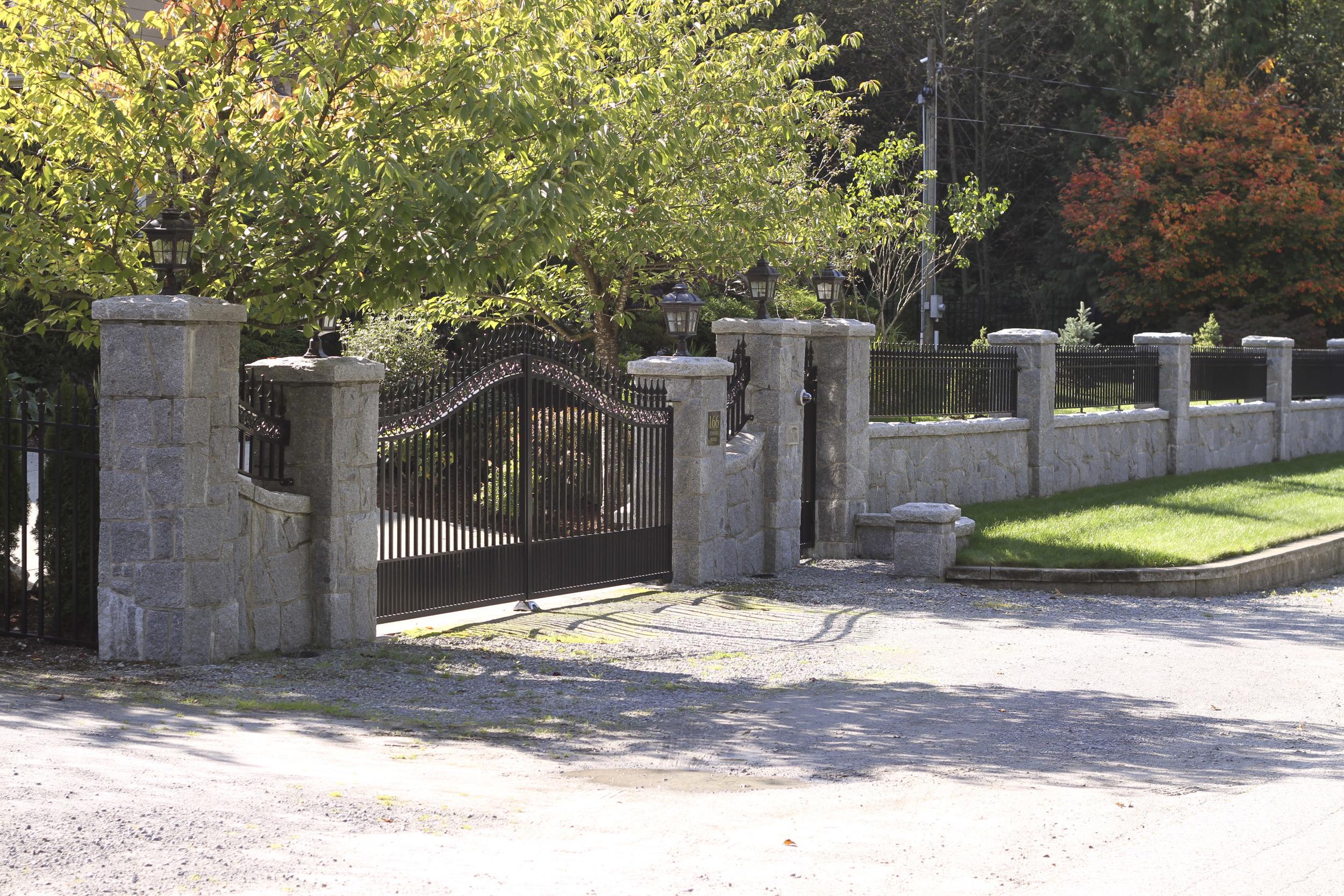 Entrance_5.jpg