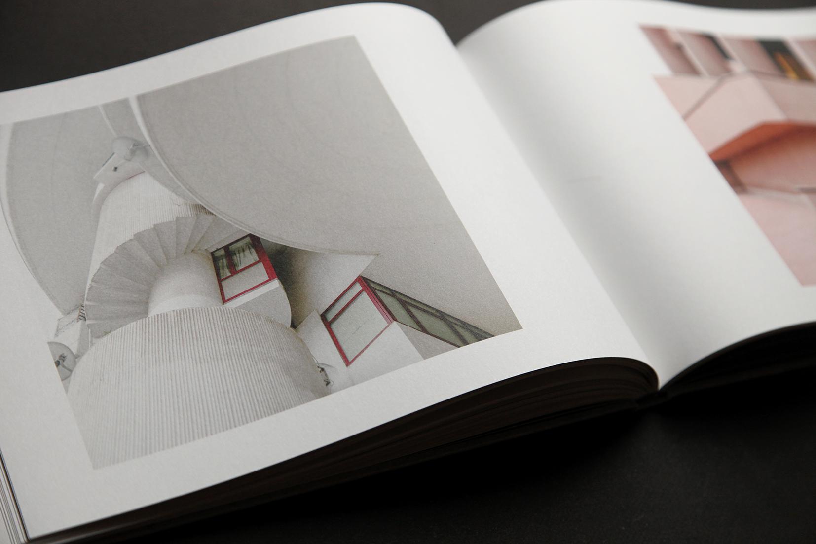 IIKKI 002_BOOK_ALVEARE 12 (INSIDE 09).jpg