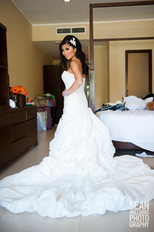 wedding-photographer-vancouver-edmonton-beach-destination-love-5.jpg