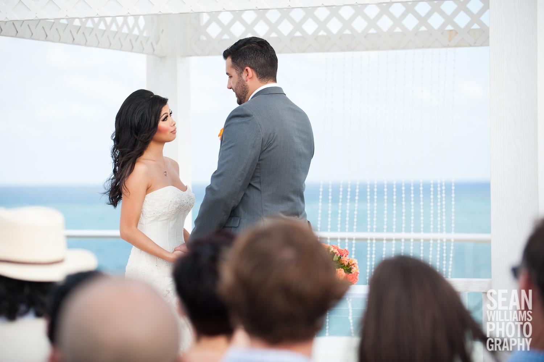 wedding-photographer-vancouver-edmonton-beach-destination-love-10.jpg