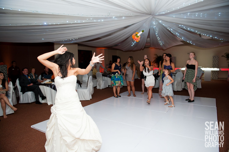 wedding-photographer-vancouver-edmonton-beach-destination-love-25.jpg