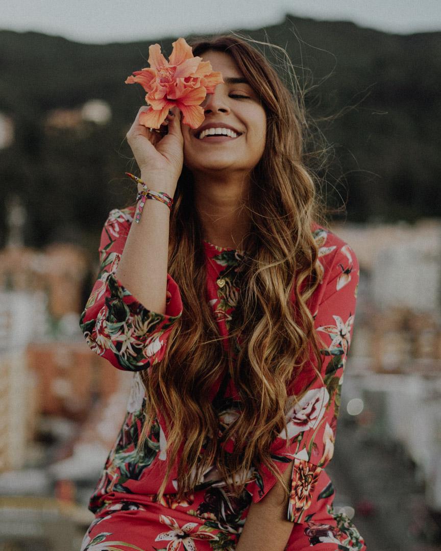 Me llamo Aniam, mi nombre es extraño y muchos no saben cómo decirlo. Amo todo lo relacionado con el pelo, me obsesiona el cuidado de la piel y me encanta compartirlo todo con ustedes, me acompañan?
