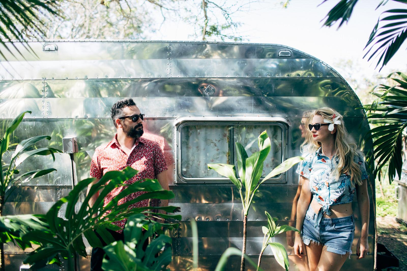paula & i on honeymoon, hawaii. photo by amanda thomsen