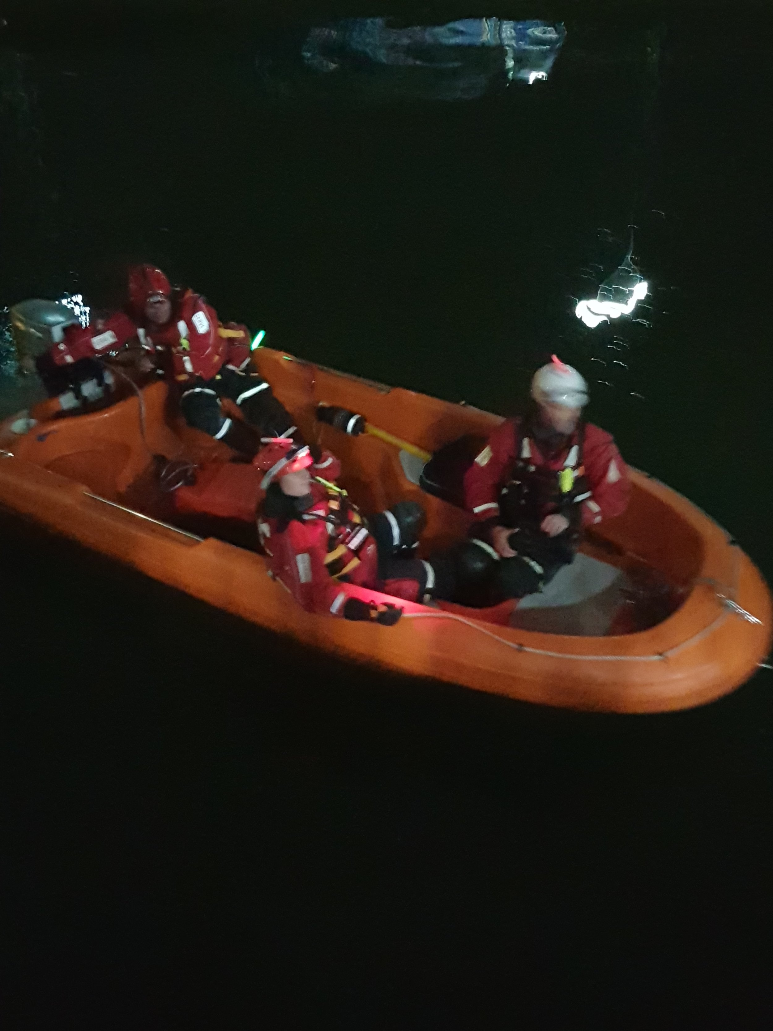 The Serve On boat crew patrol the River Avon in support of SARAID Avon CRT and the #DontDrinkAndDrown campaign.