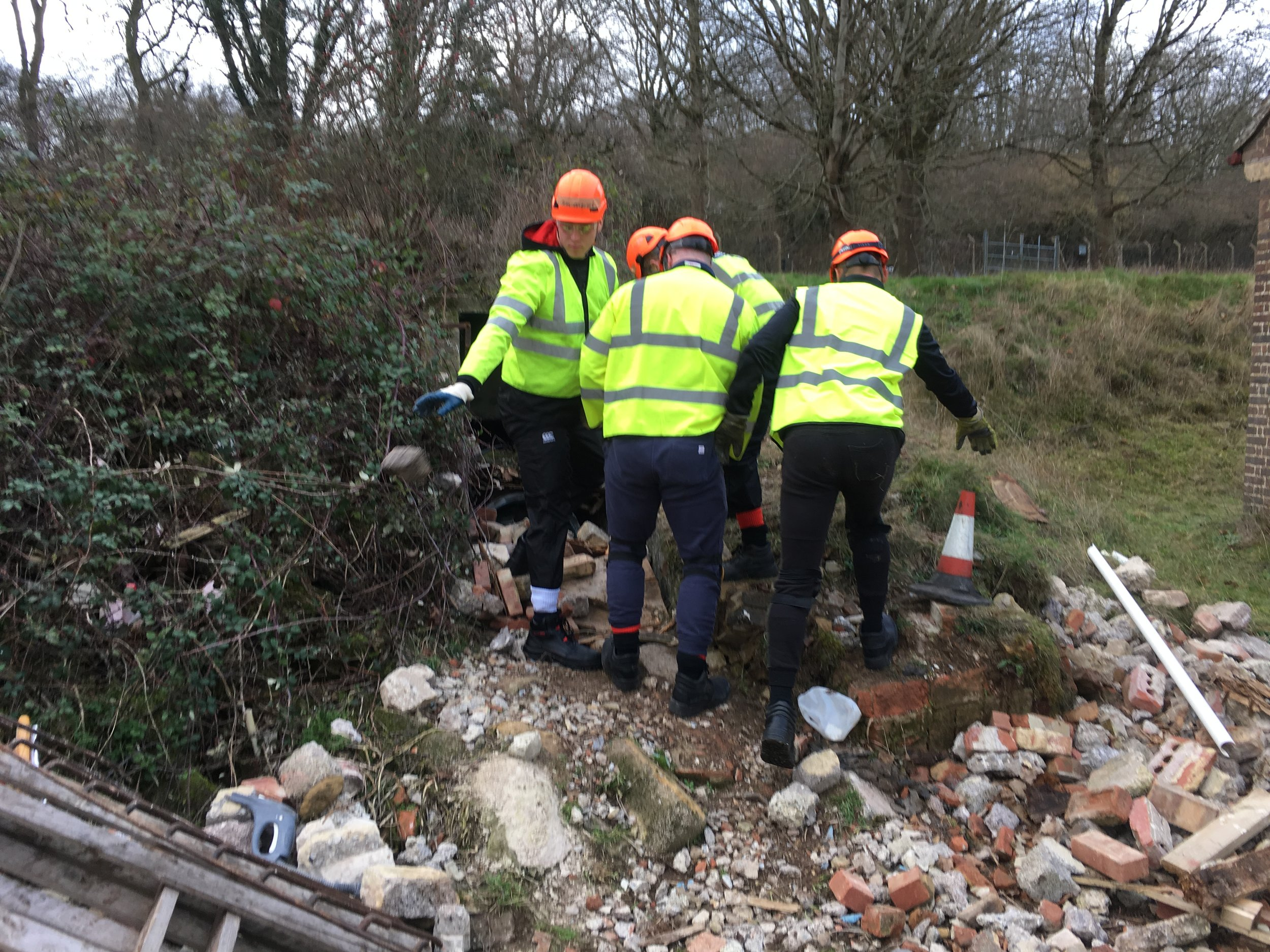 England Rugby U20 players had to carry out tunnel rescue in a disaster scenario laid on by volunteers from the Serve On humanitarian charity.