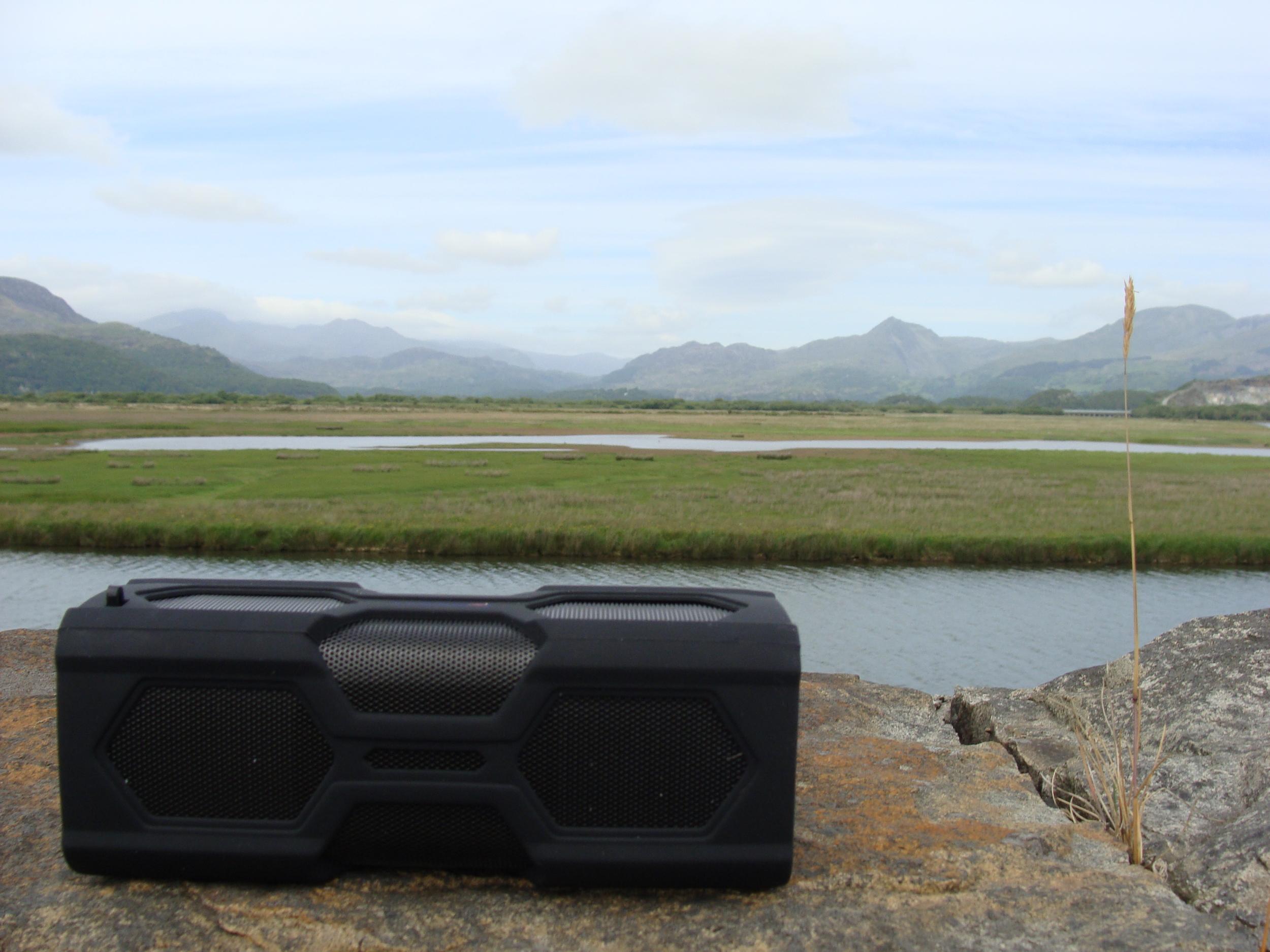 expower-speaker-mountains.jpg