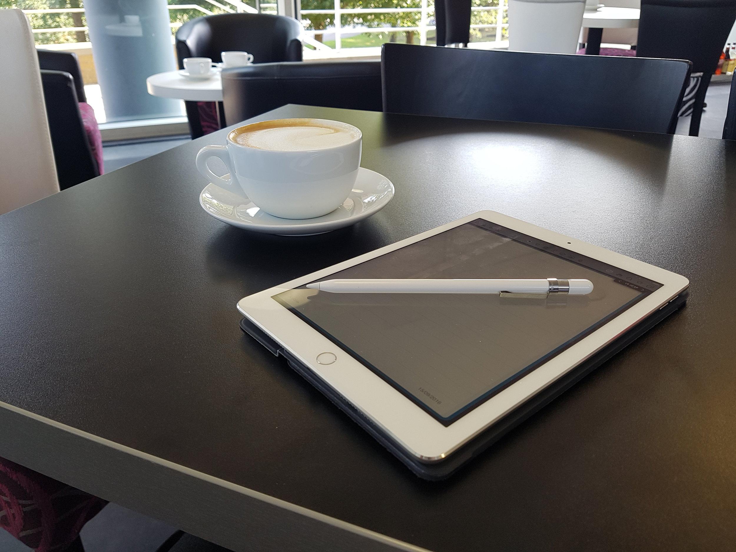 ipad-pro-coffee-shop.jpg