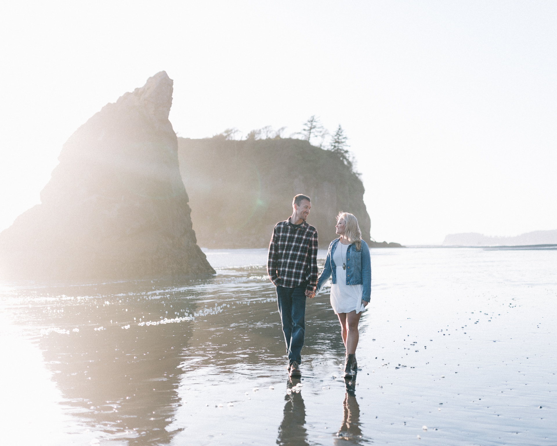 SeattleWeddingPhotographer_RubyBeachEngagement-5.jpg