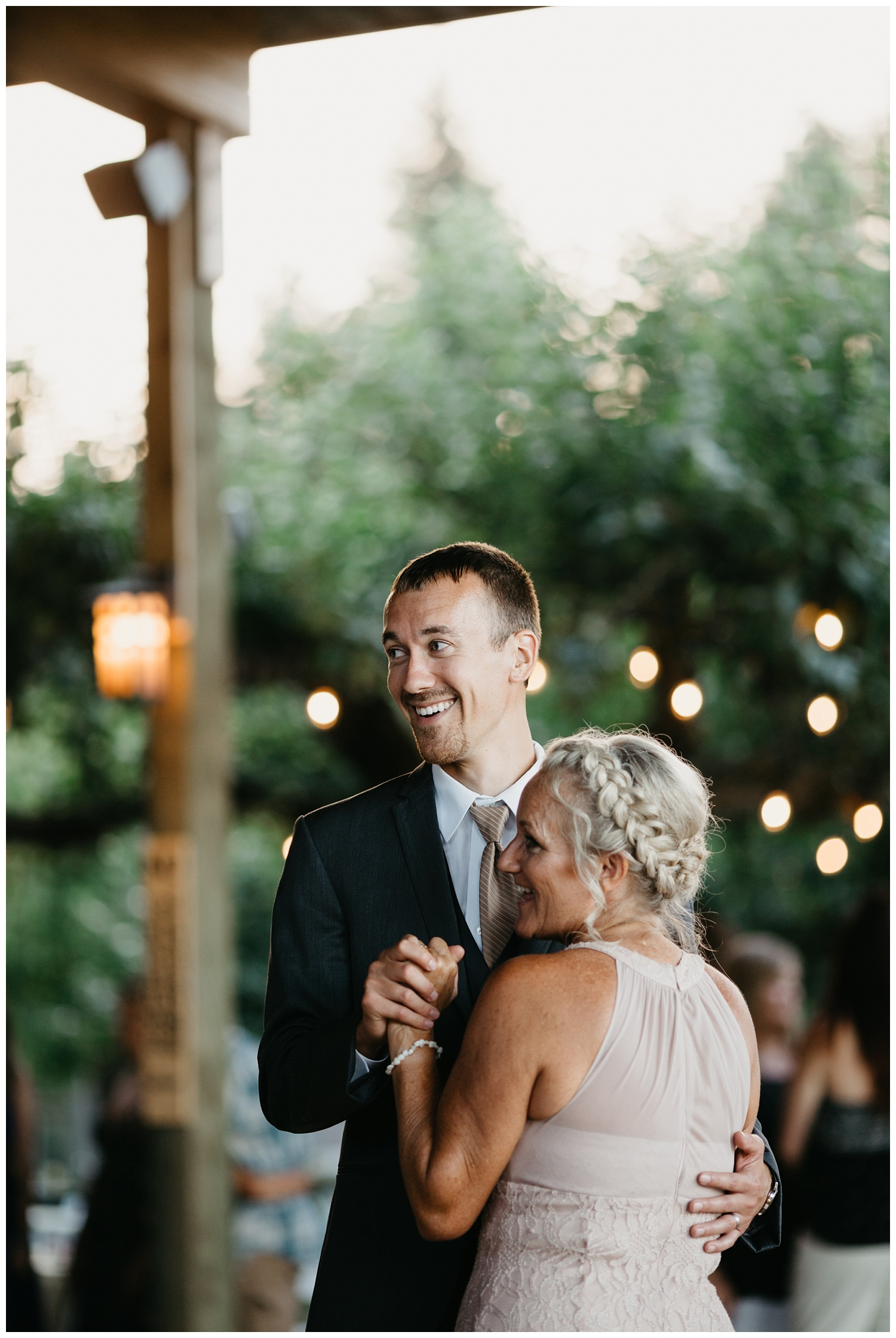 SeattleWeddingPhotographer_0195.jpg