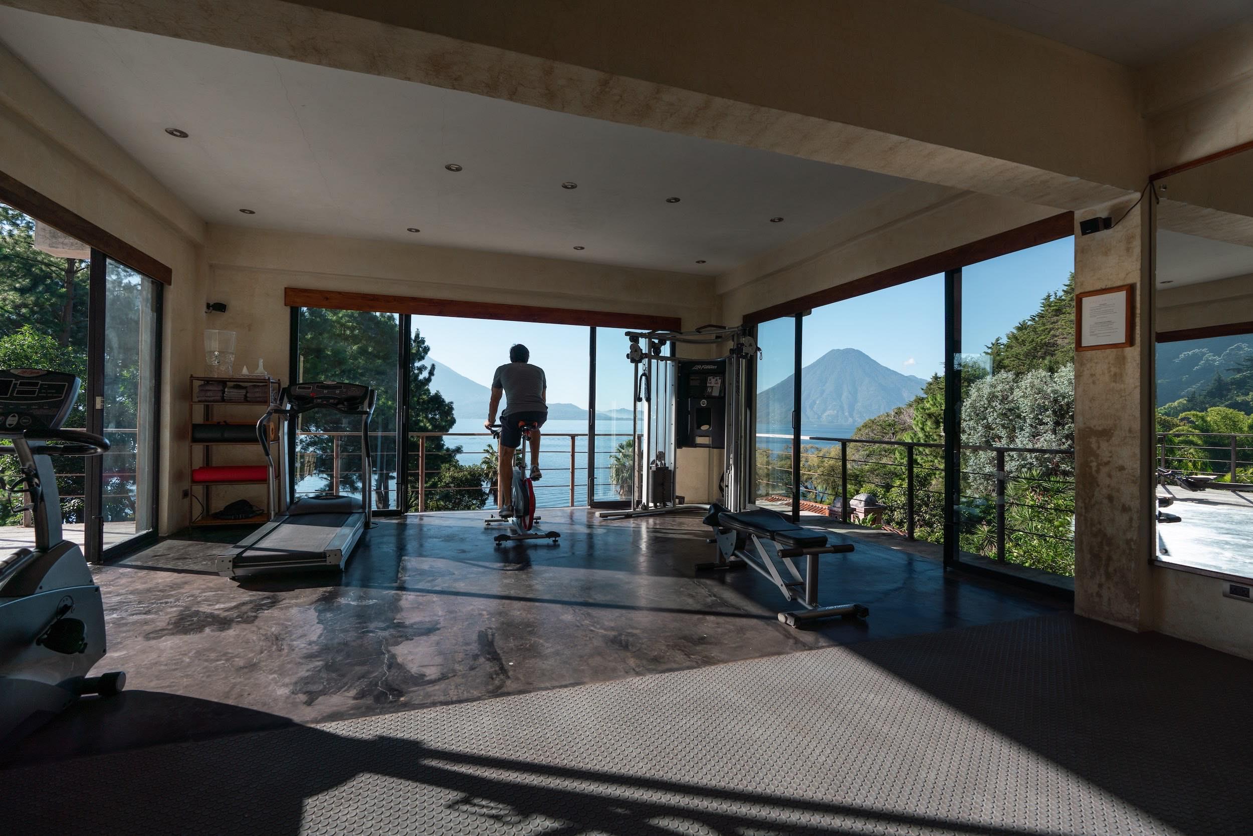 PRANA GYM - PRANA MOVEMENTSe encuentra disponible para todos los huéspedes. Se compone de un espacio de yoga, y un gimnasio con modernas instalaciones y equipos.Se pueden organizar sesiones privada de yoga con instructores expertos con anticipación.