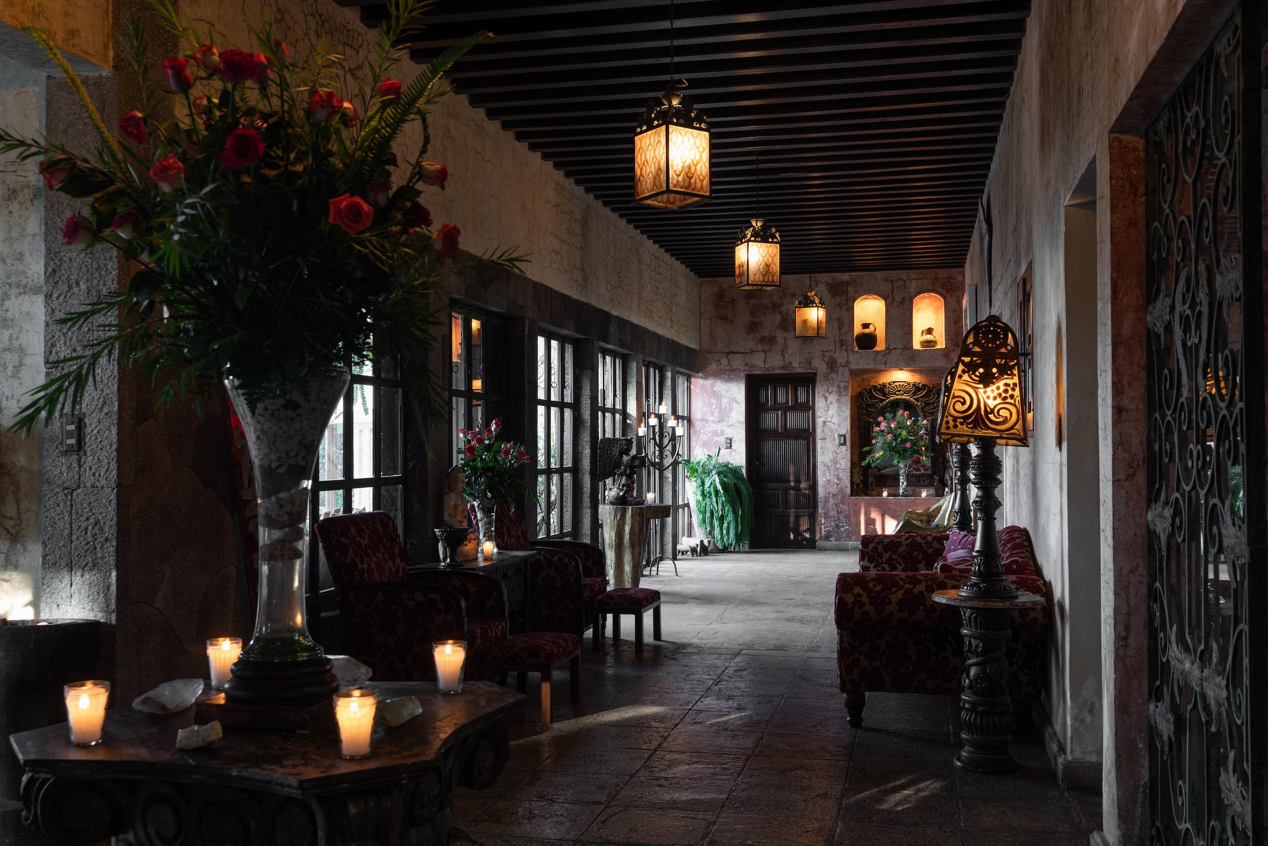 casaprana-hotel-entrance-hall.jpeg