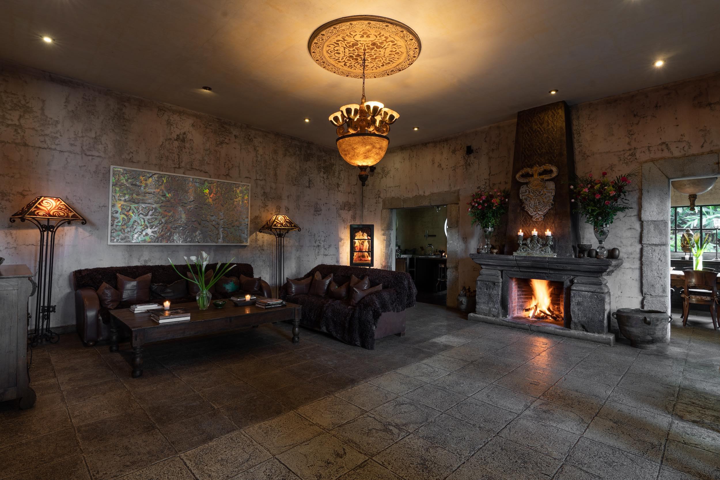 casaprana-hotel-living room-2.jpeg