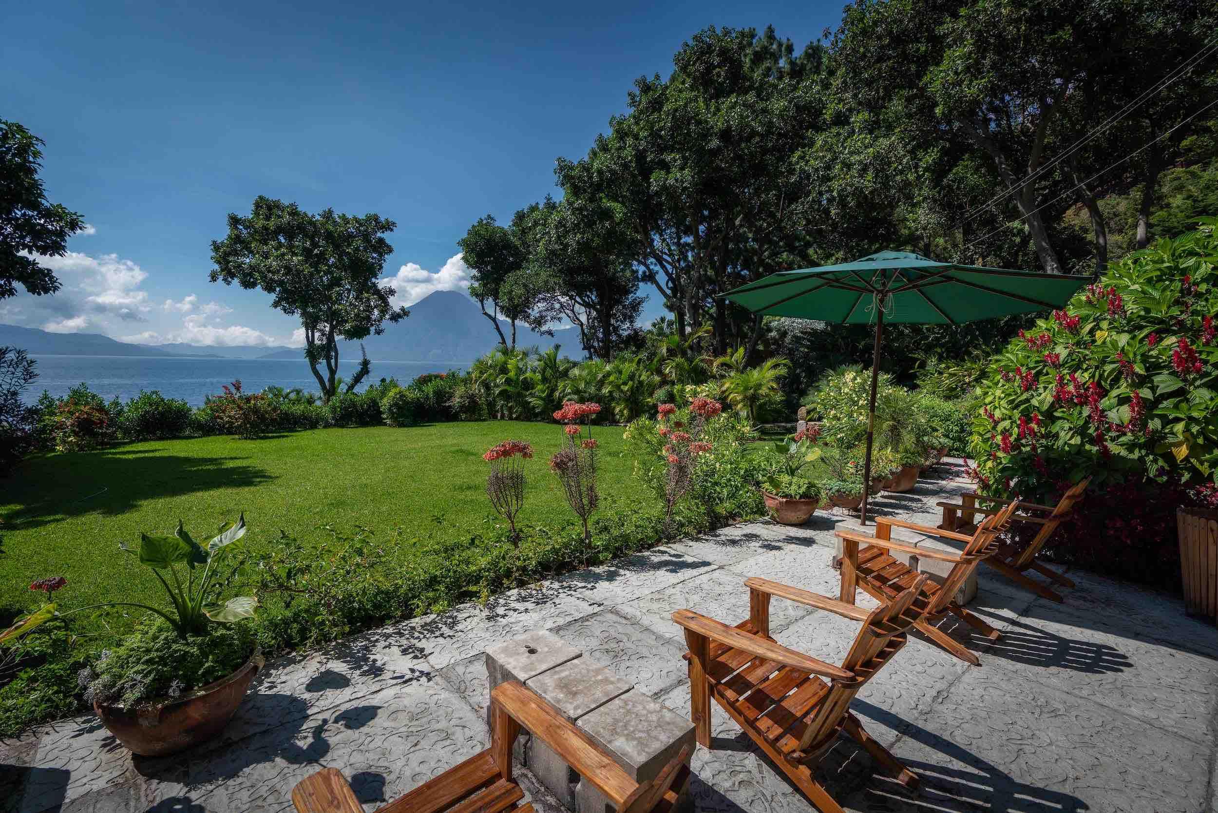 casaprana-facilities-garden-lake view.jpeg