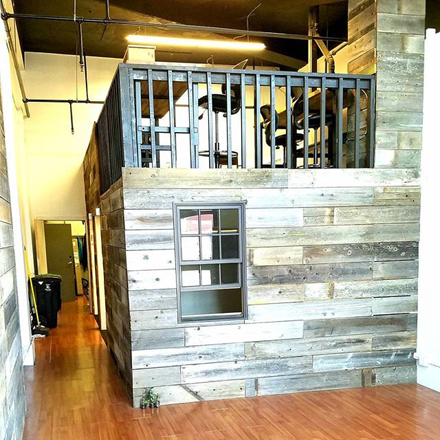 Market Street Cycles has 750 sq/ft. of office/retail space to rent next door to the shop! Furnished if desired.  Please tell anyone you think might be interested, available immediately. Cheers!