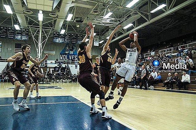 Some of the shots from last night's Michigan City home game. • #ShortProMedia #ShortPro #SeniorPhotos #BasketballTeam #Basketball #MichiganCity #HighSchoolBasketball #LakeMichigan #MichiganCityBasketball #MichiganCityWolves #Starter #Uniform #Layup