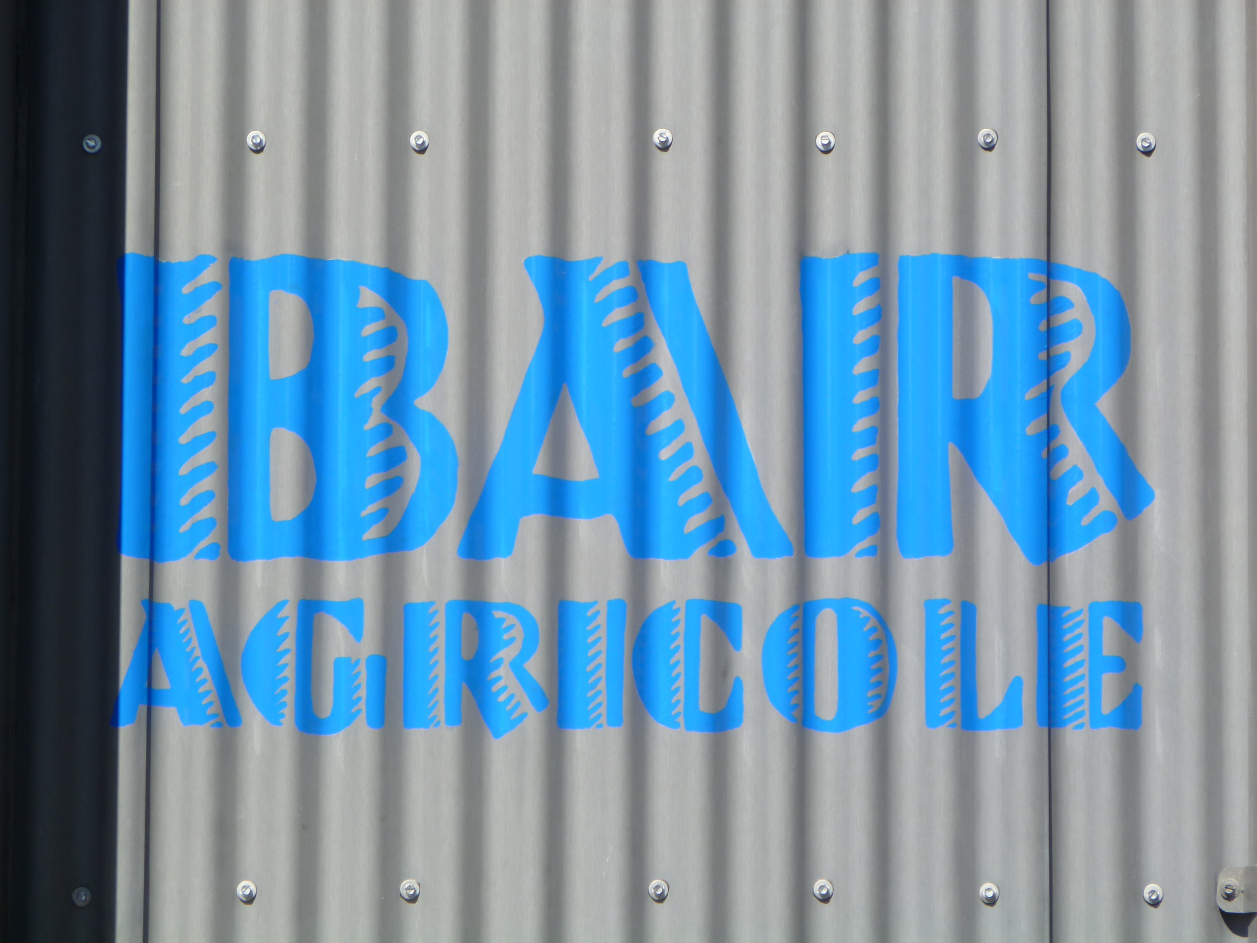 HAND-bar-agricole-small-sign-by-door_4915153782_o.jpg