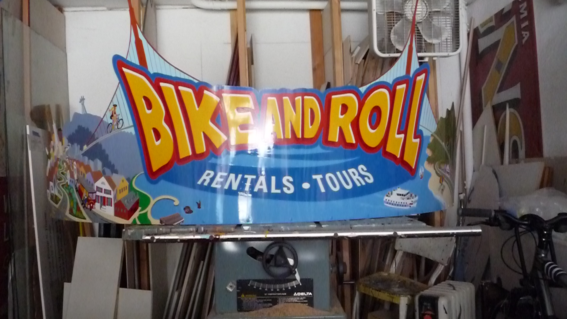 HAND-bike-and-roll-kiosk-roof-sign_3059526867_o.jpg