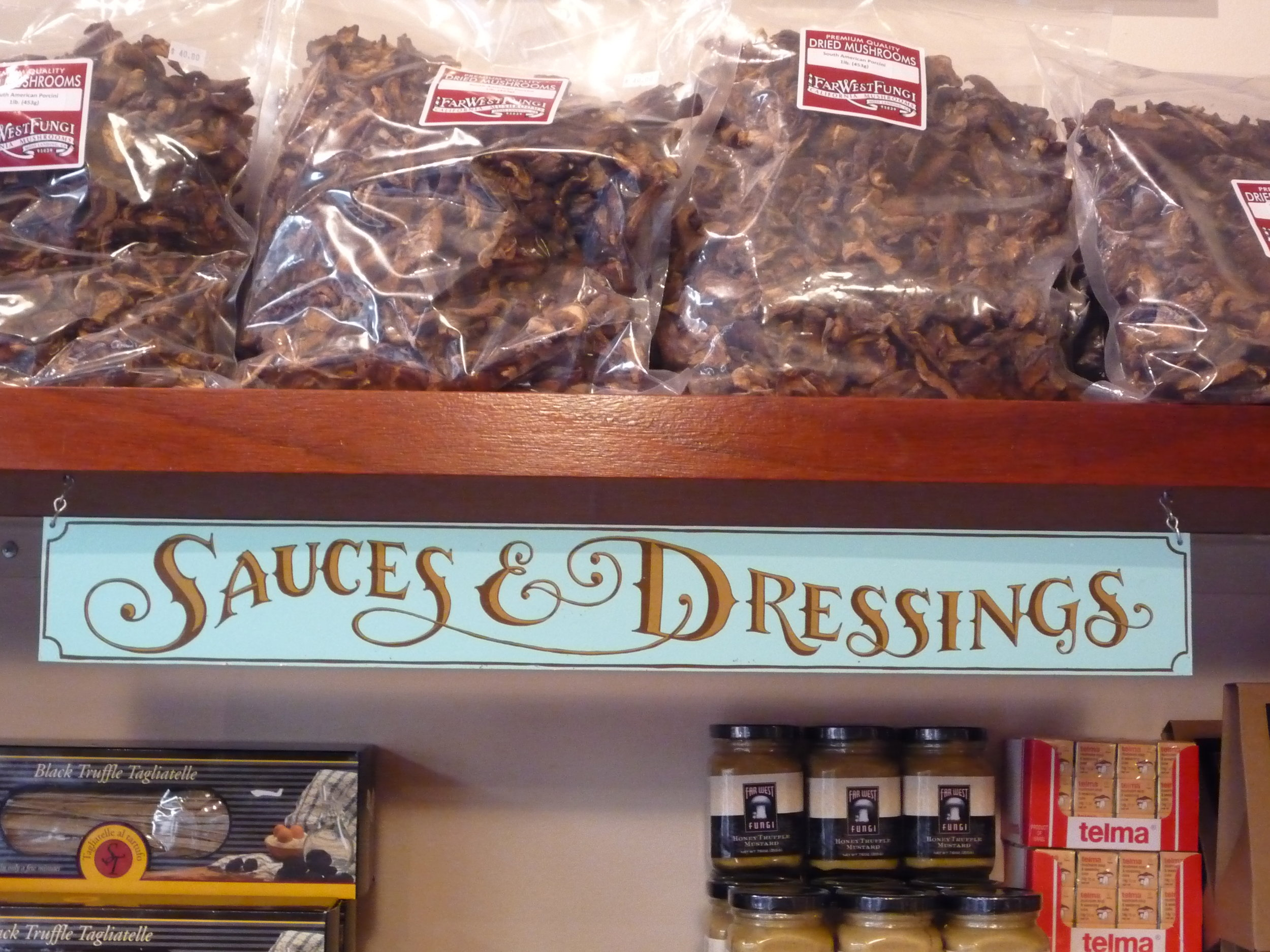 HAND-far-west-fungi-sauces--dressings-shelf-sign_4322988973_o.jpg