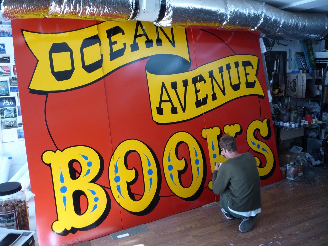 HAND-ocean-avenue-books_5877676599_o.jpg