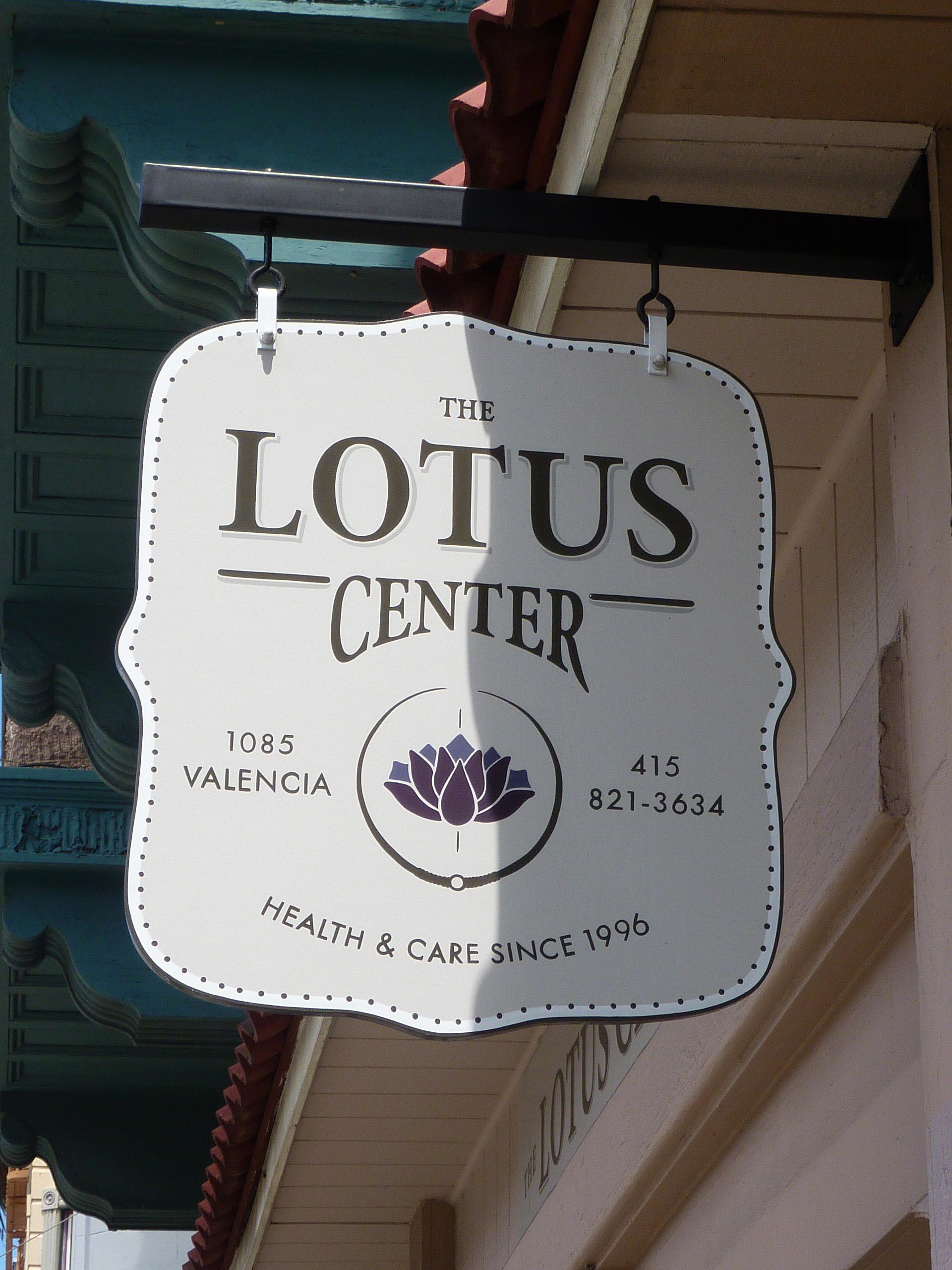 HAND-lotus-center_6057426830_o.jpg