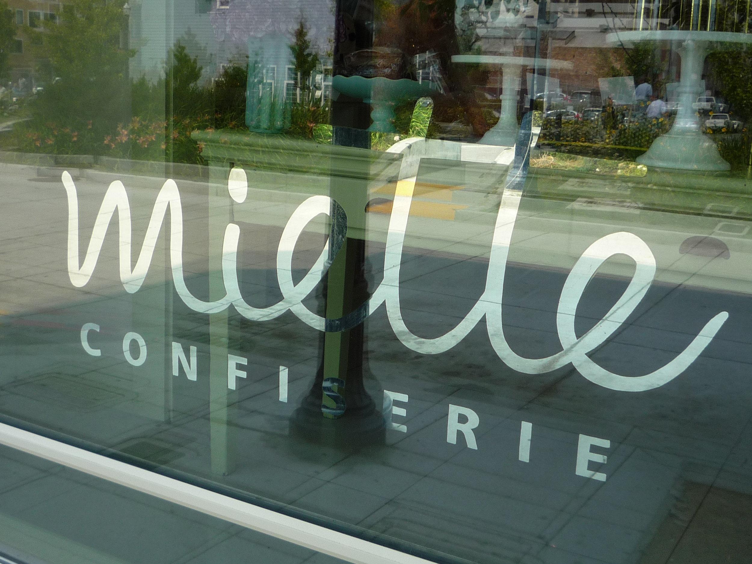 GOLD-miette-confiserie-window_3060355392_o.jpg