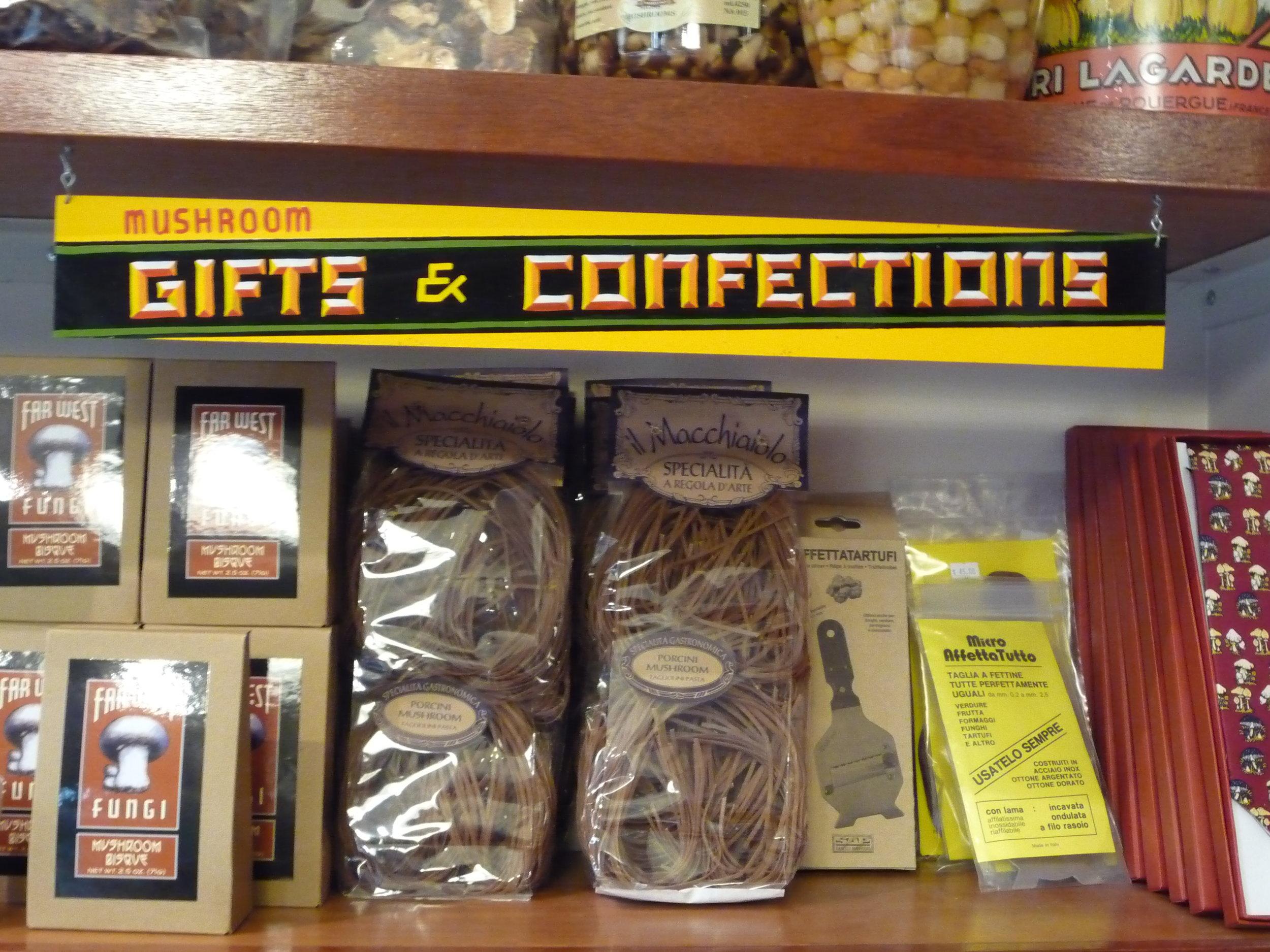 ORIG-far-west-fungi-gifts--confections-shelf-sign_4323724014_o.jpg