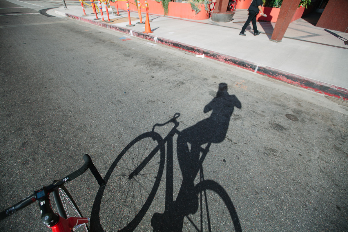 Oh look, there goes that asshole with a nice camera while riding a bike with no hands. Great.