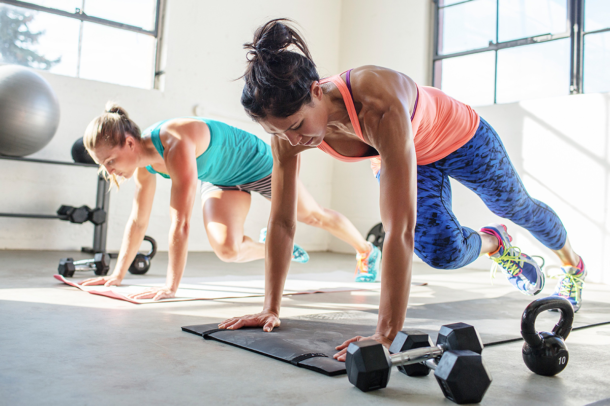 Exercise - If you want to build muscle and burn fat at the same time, you have to perform circuit training three days per week. How can you achieve this? Indulge in full body exercises like lunges, push-ups, and pull-ups, for one set of 15-25 reps. Don't forget to follow every exercise with one minute of jumping rope.