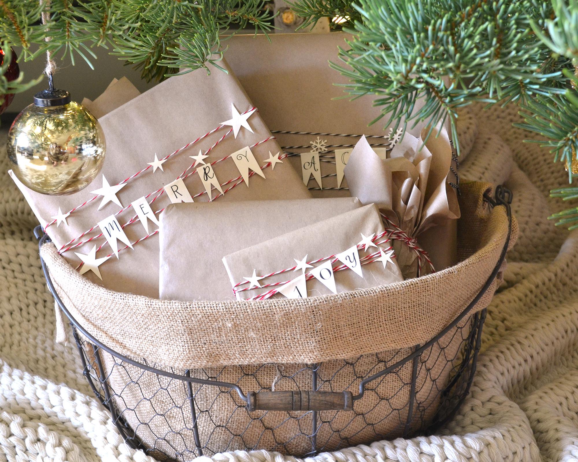Boxwood Avenue | Gift Wrap & Christmas Packing Bunting Printable
