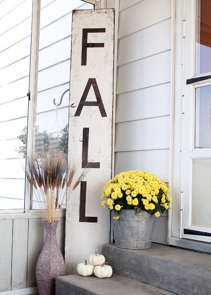 Easy DIY 'FALL' wood sign from Love Grows Wild