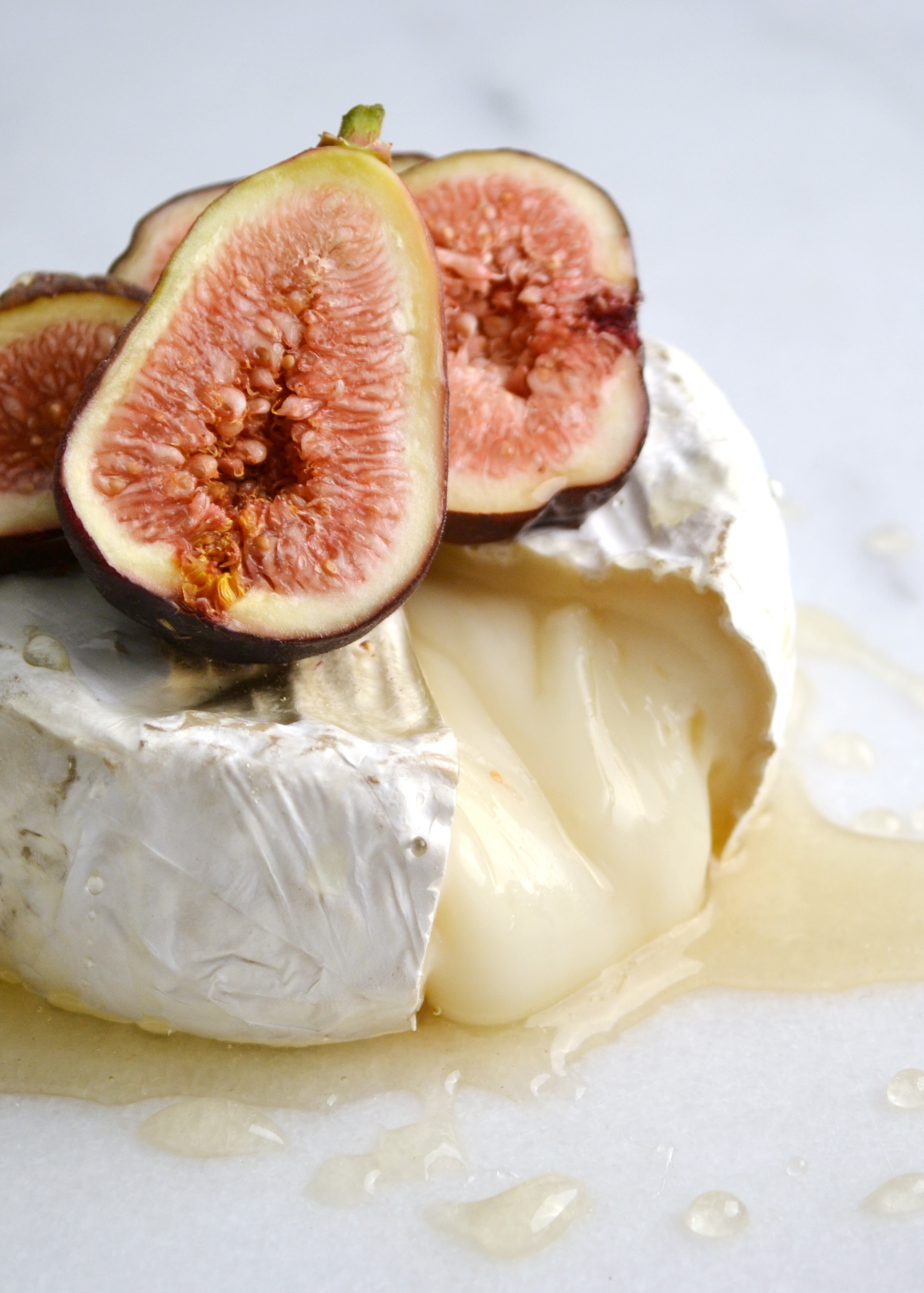 Goat Cheese Brie with Honey and Figs | Boxwood Avenue