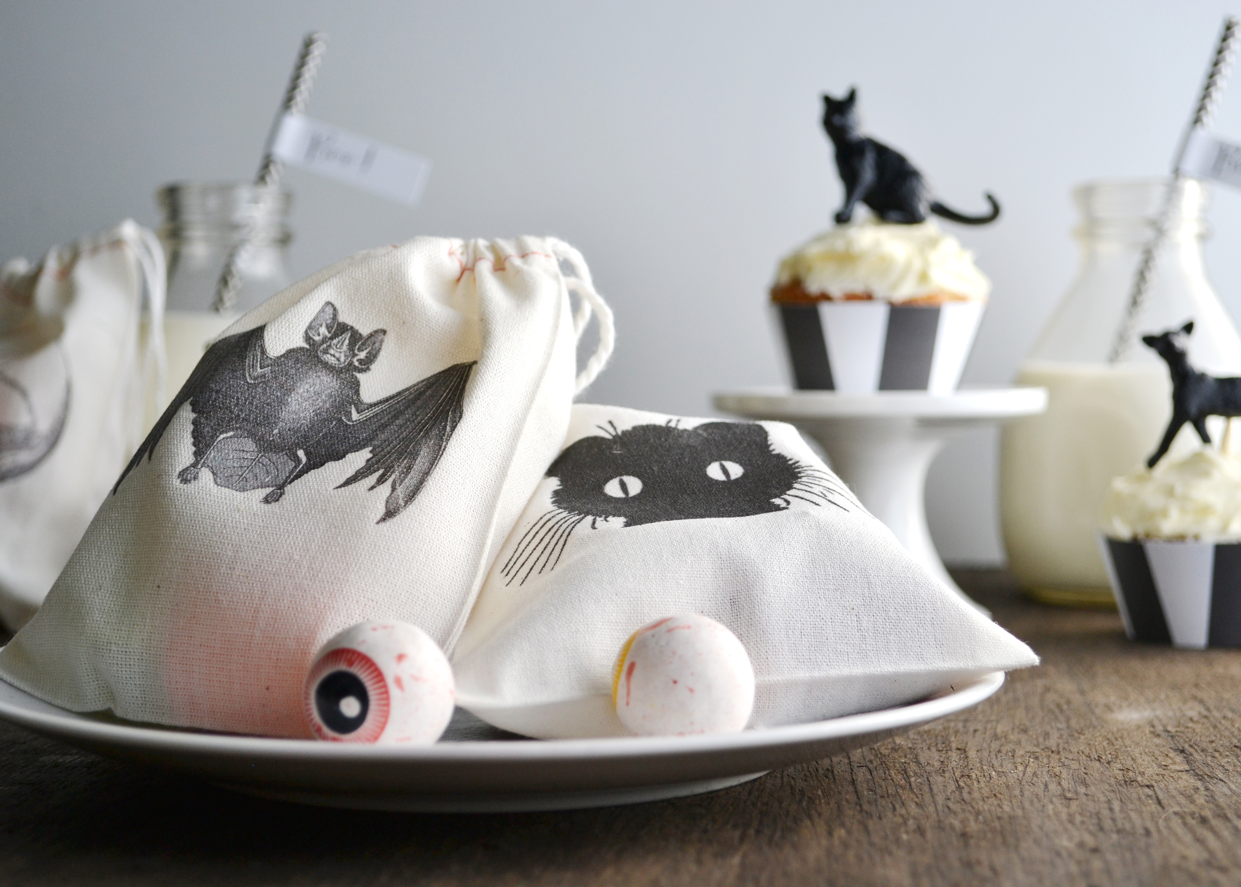 Part 2 of Boxwood Avenue's DIY black and white Halloween Party!
