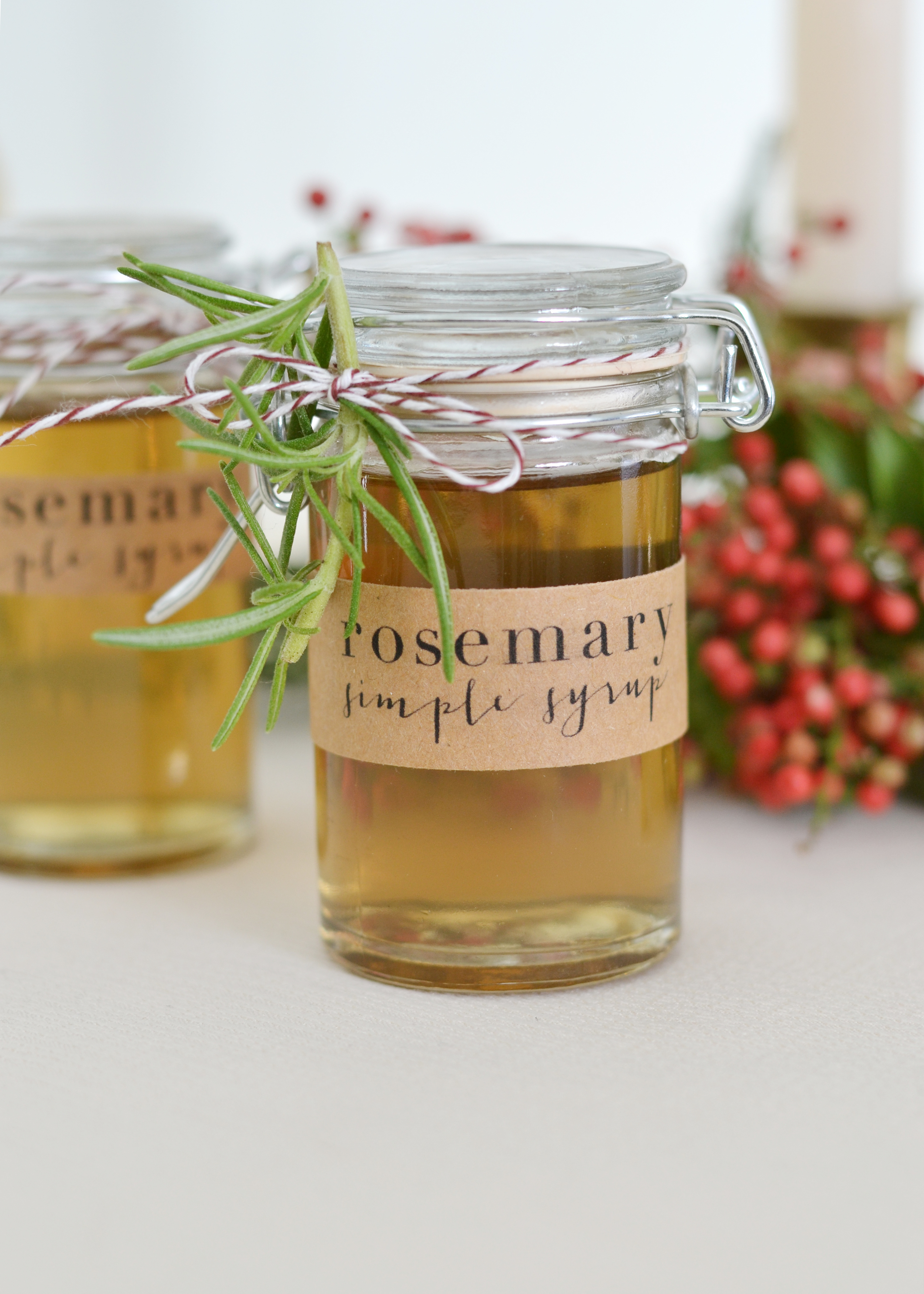 Make this rosemary simple syrup to give as a gift! From boxwoodavenue.com