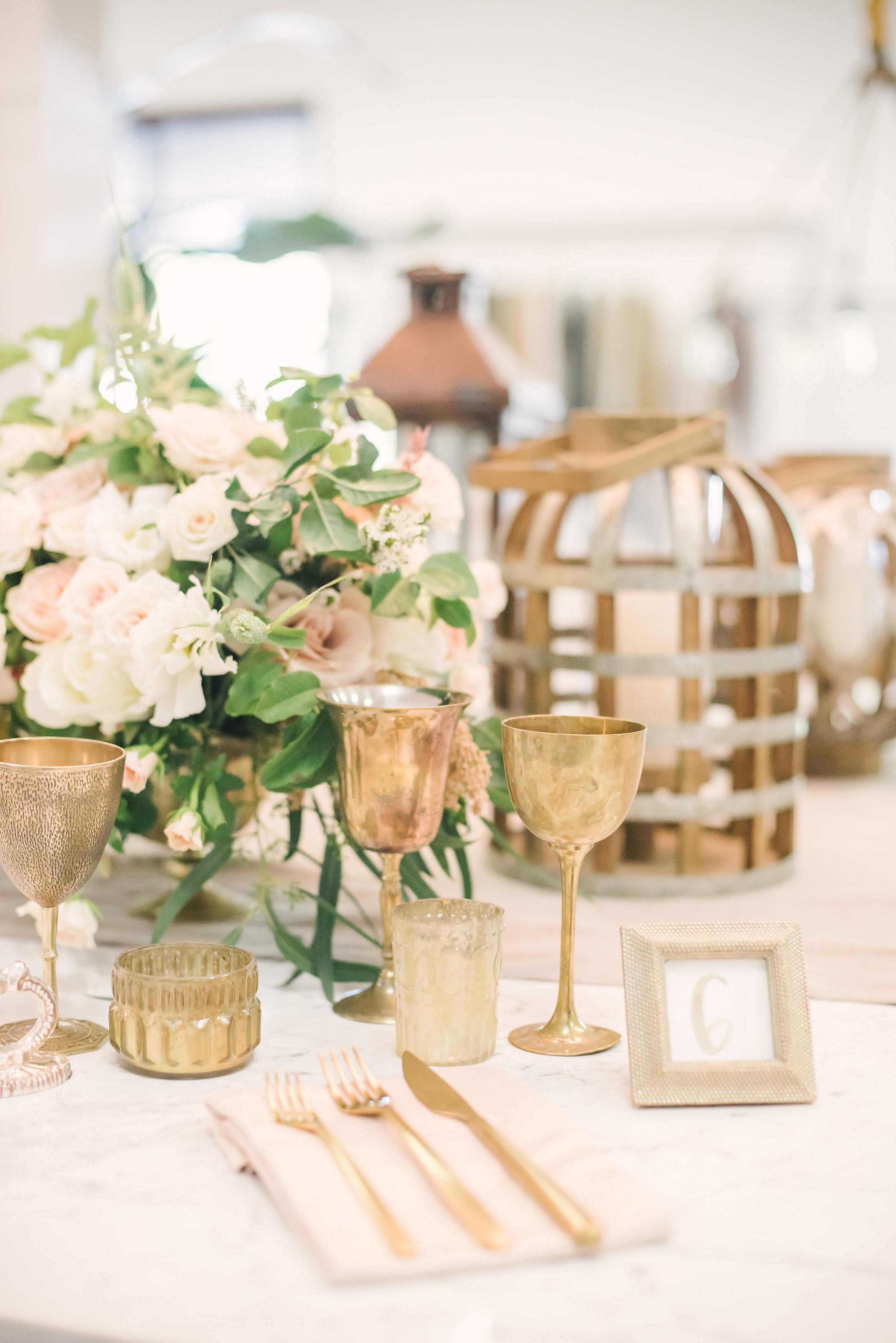 Saving Money on Your Dream Wedding! boxwoodavenue.com photography by Kayla F Photography
