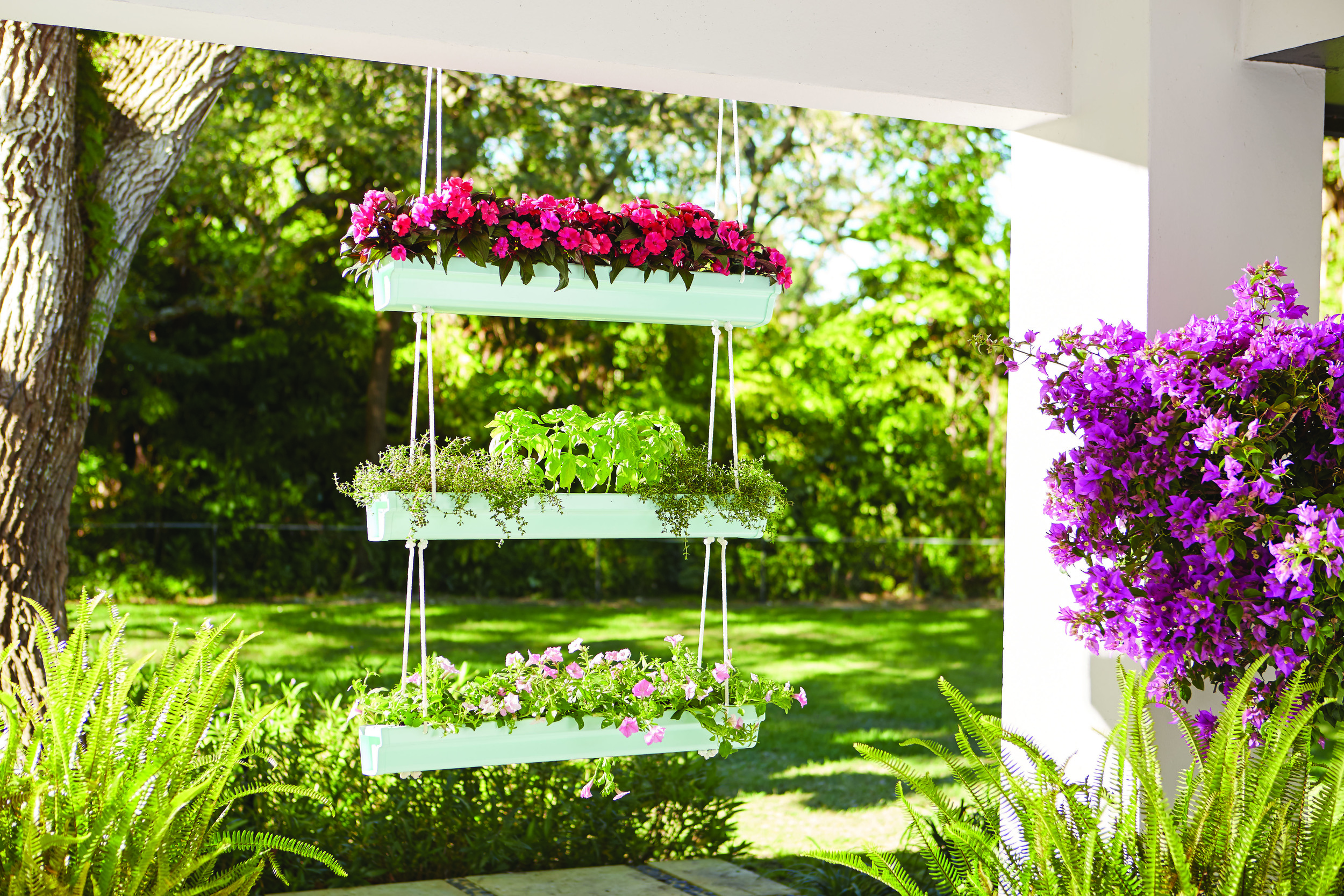 #DIYWorkshop Hanging Gutter Planter | boxwoodavenue.com