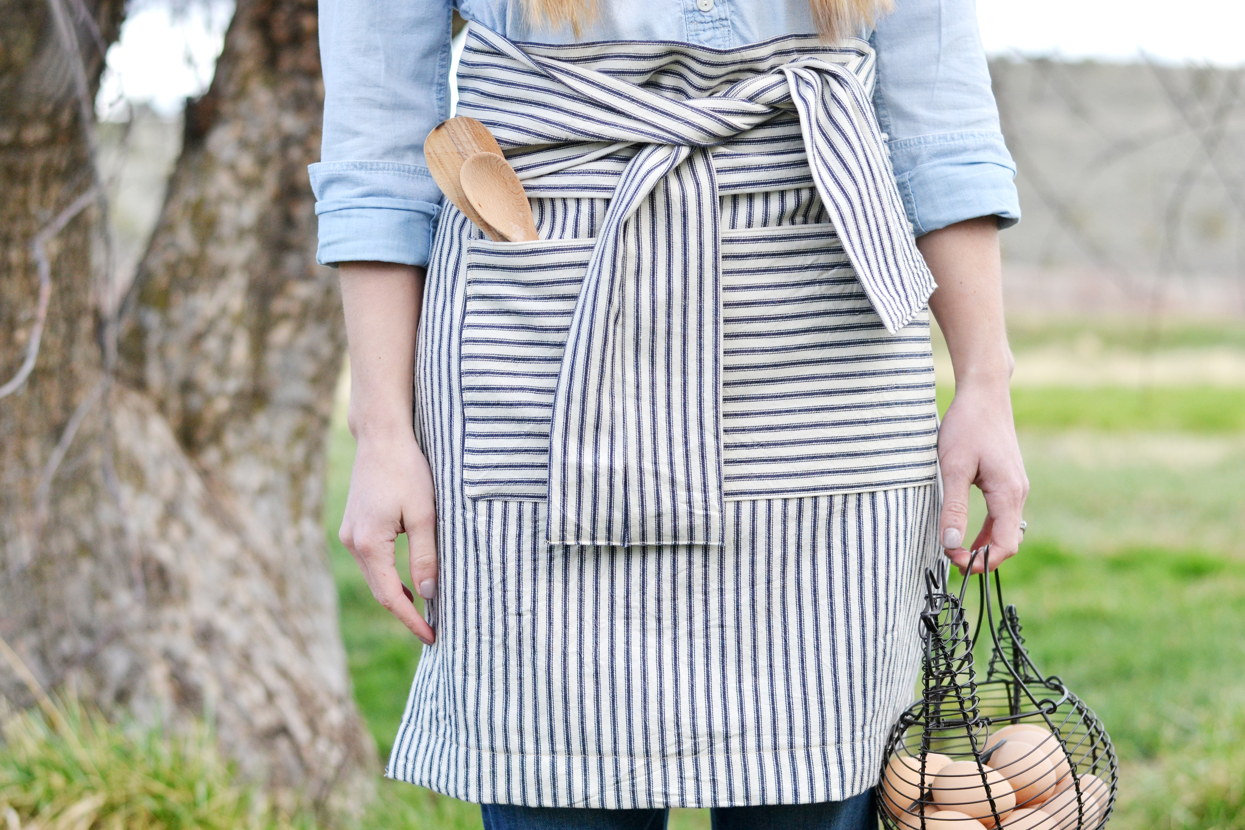 Aprons are so much easier than you'd think! Mother's Day gift idea? boxwoodavenue.com