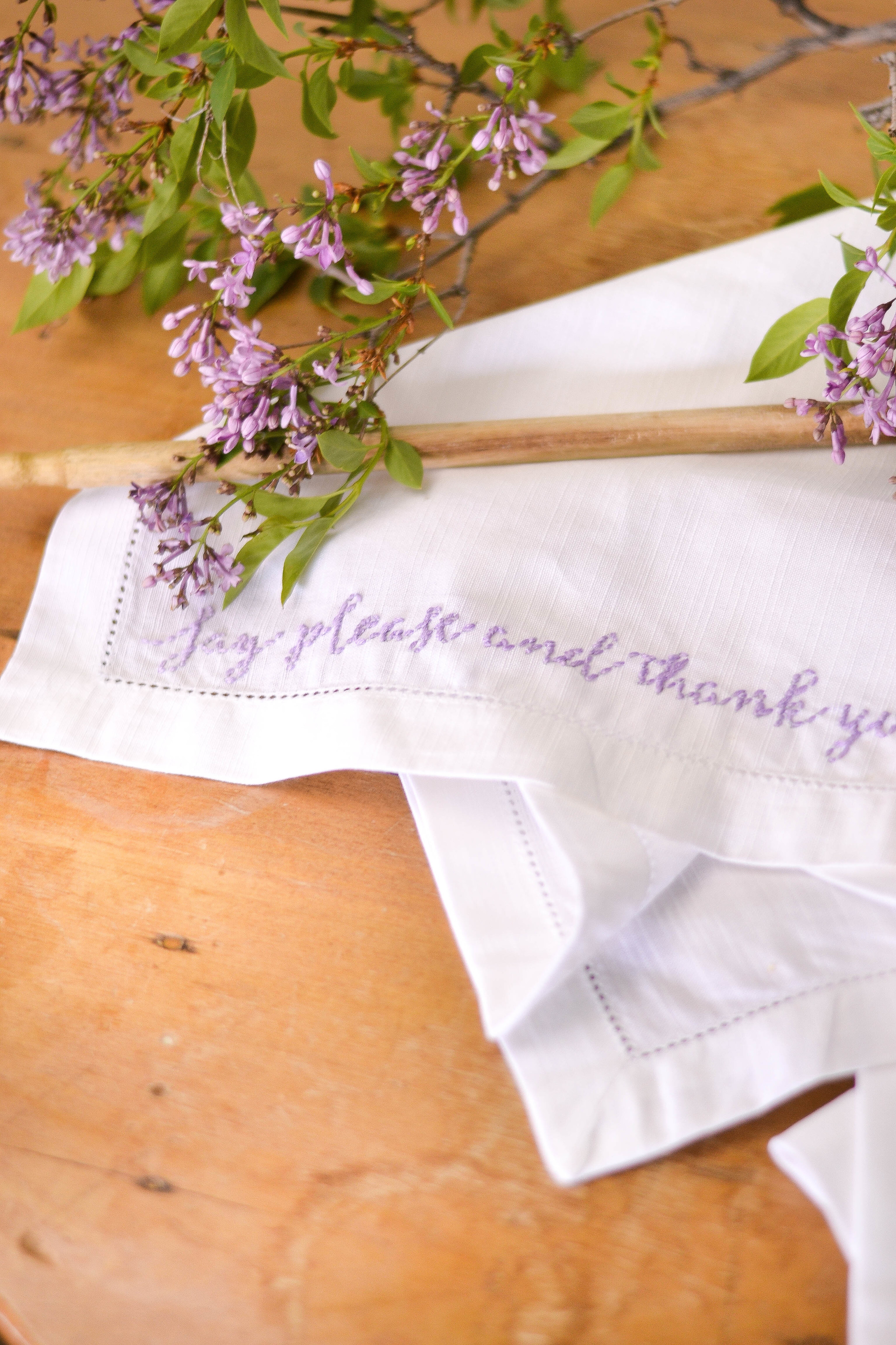 DIY Embroidered Napkins with Quotes for Mother's Day | boxwoodavenue.com