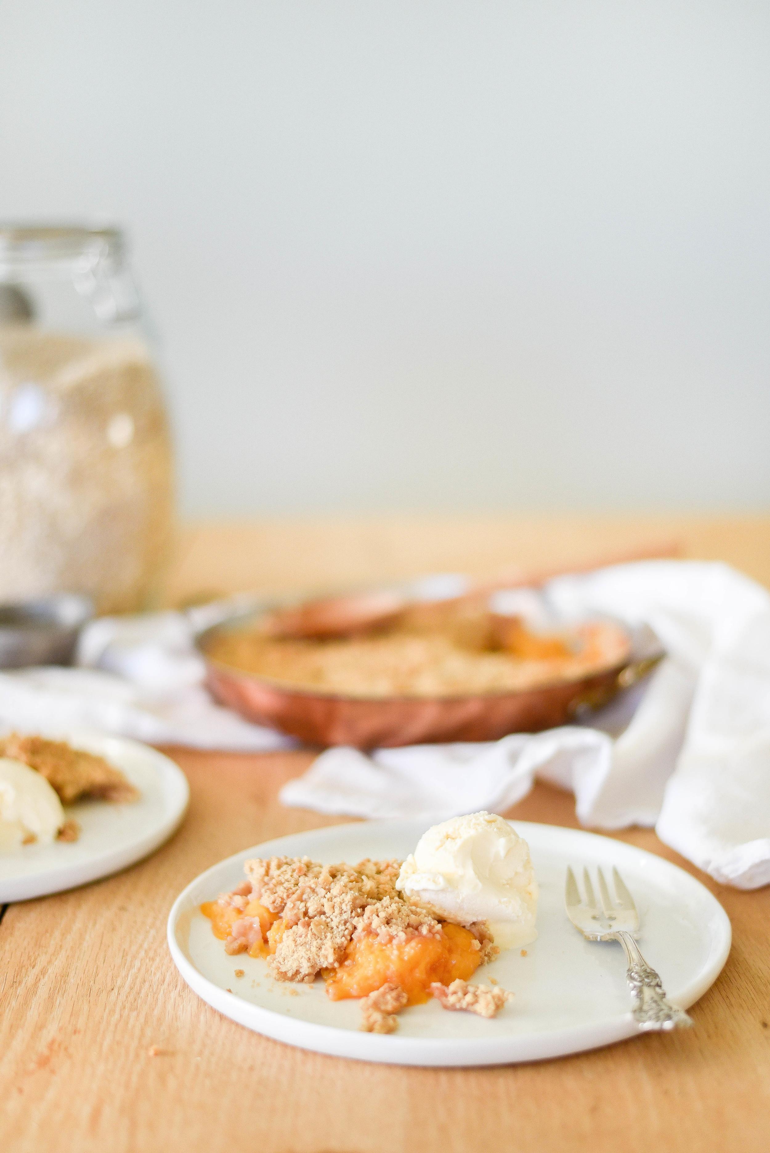 Easy peach crisp recipe with less butter! | boxwoodavenue.com