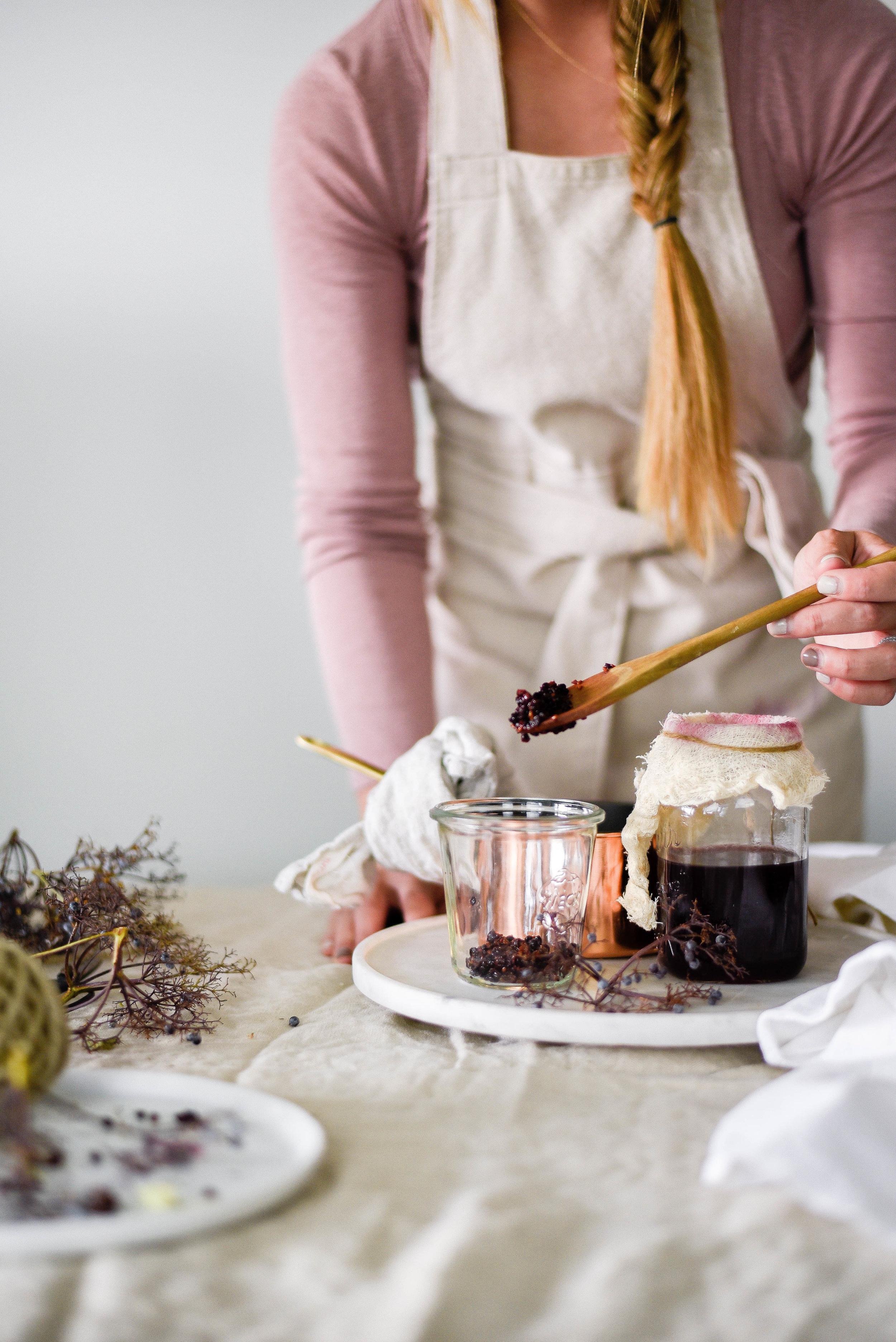 Elderberry syrup for cocktails and mocktails | boxwoodavenue.com
