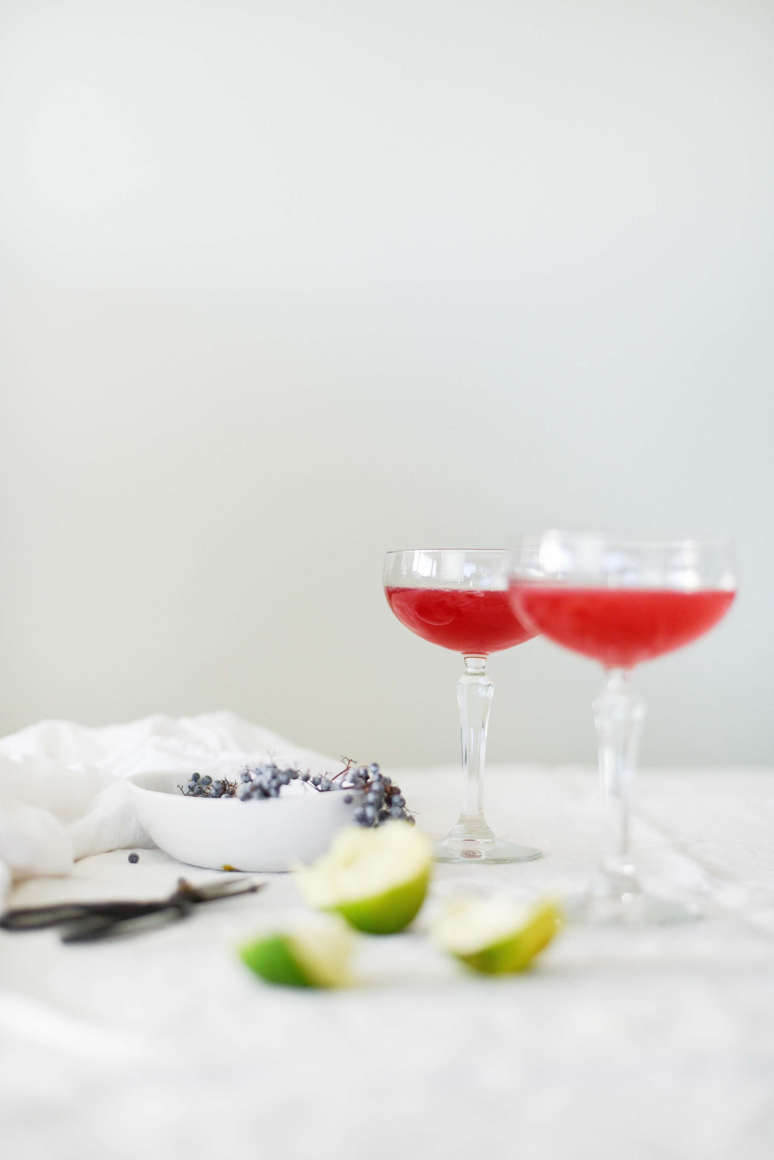 Elderberry syrup and St. Germain Vodka cocktail | boxwoodavenue.com