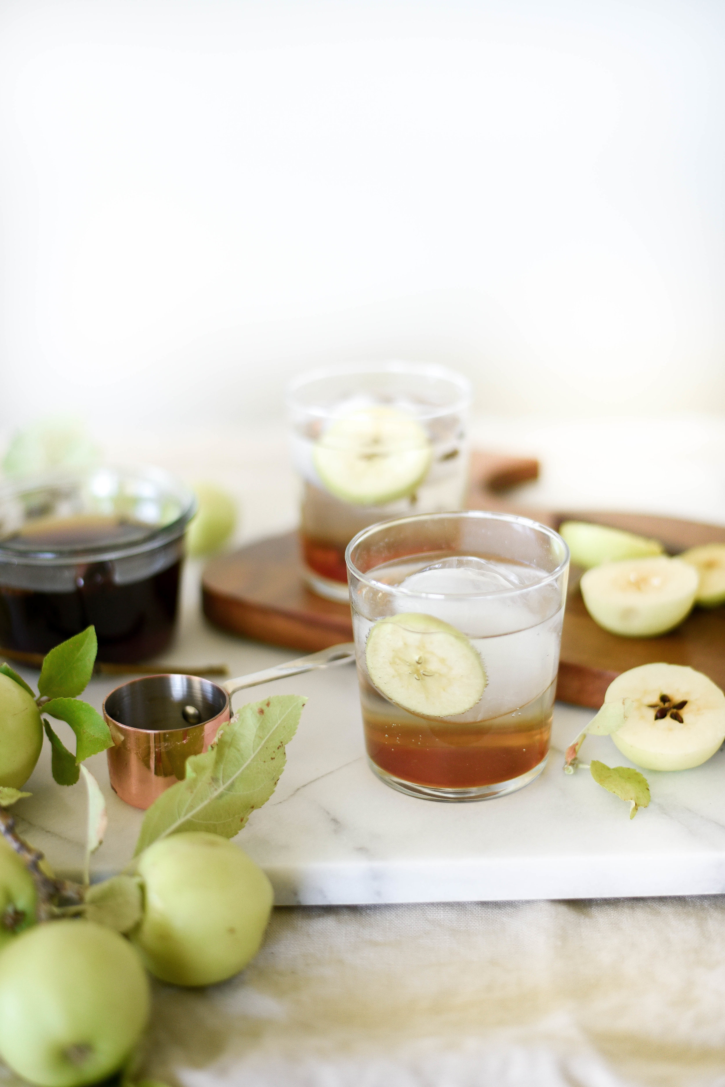 Apple spiced fall drink recipe (great for thanksgiving!) - boxwoodavenue.com