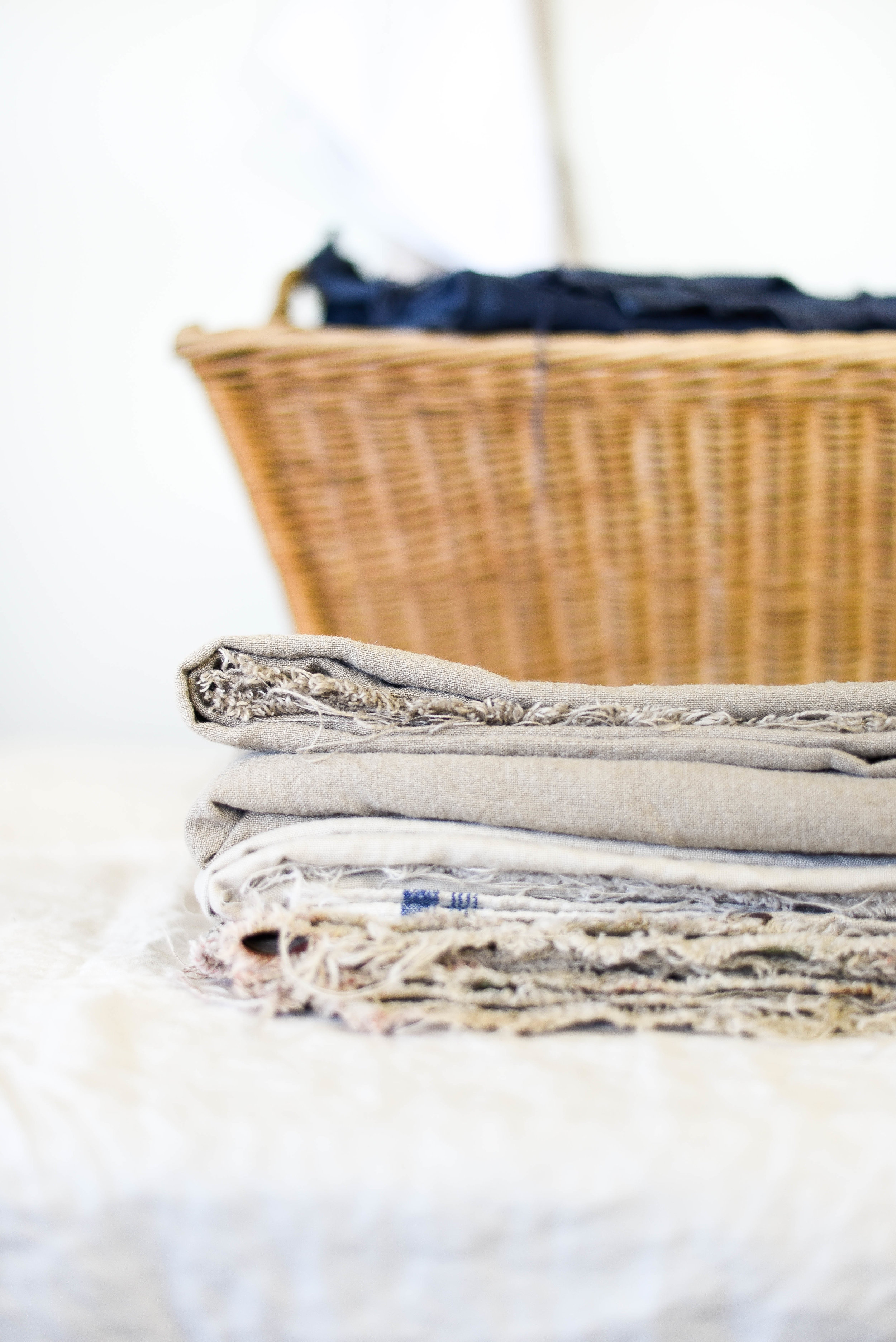 How & where to shop for linen by the yard. | boxwoodavenue.com