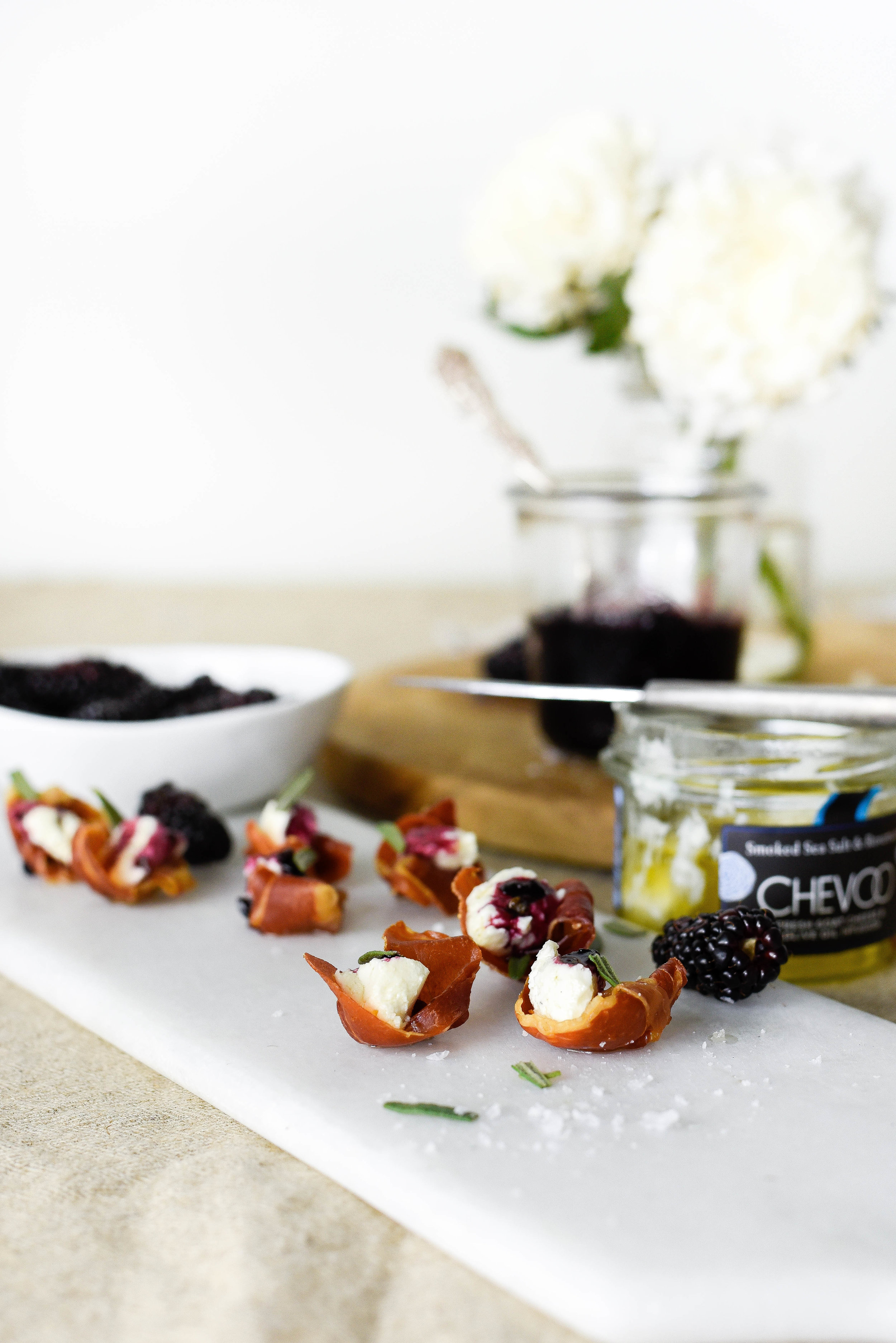 This is super easy and low carb! Crunchy & sweet prosciutto cups. BoxwoodAvenue.com